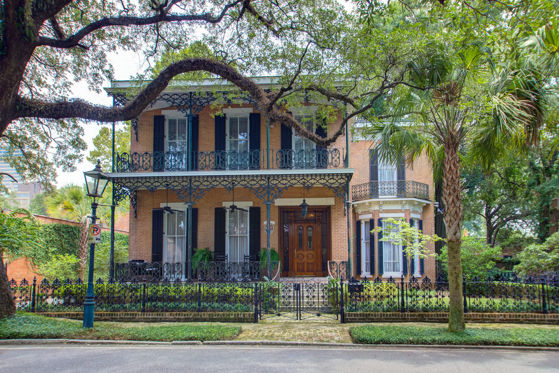 Single Family Home for Active at Historic Mobile 253 State St Mobile, Alabama 36603 United States