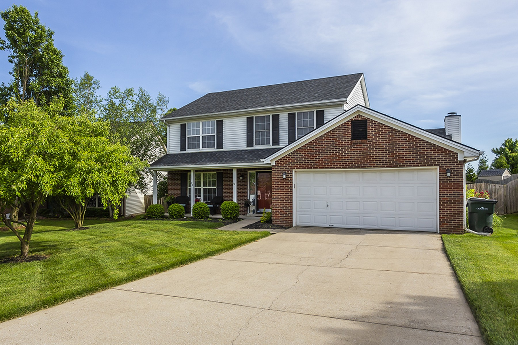 Частный односемейный дом для того Продажа на 102 Atwood Georgetown, Кентукки 40324 Соединенные Штаты
