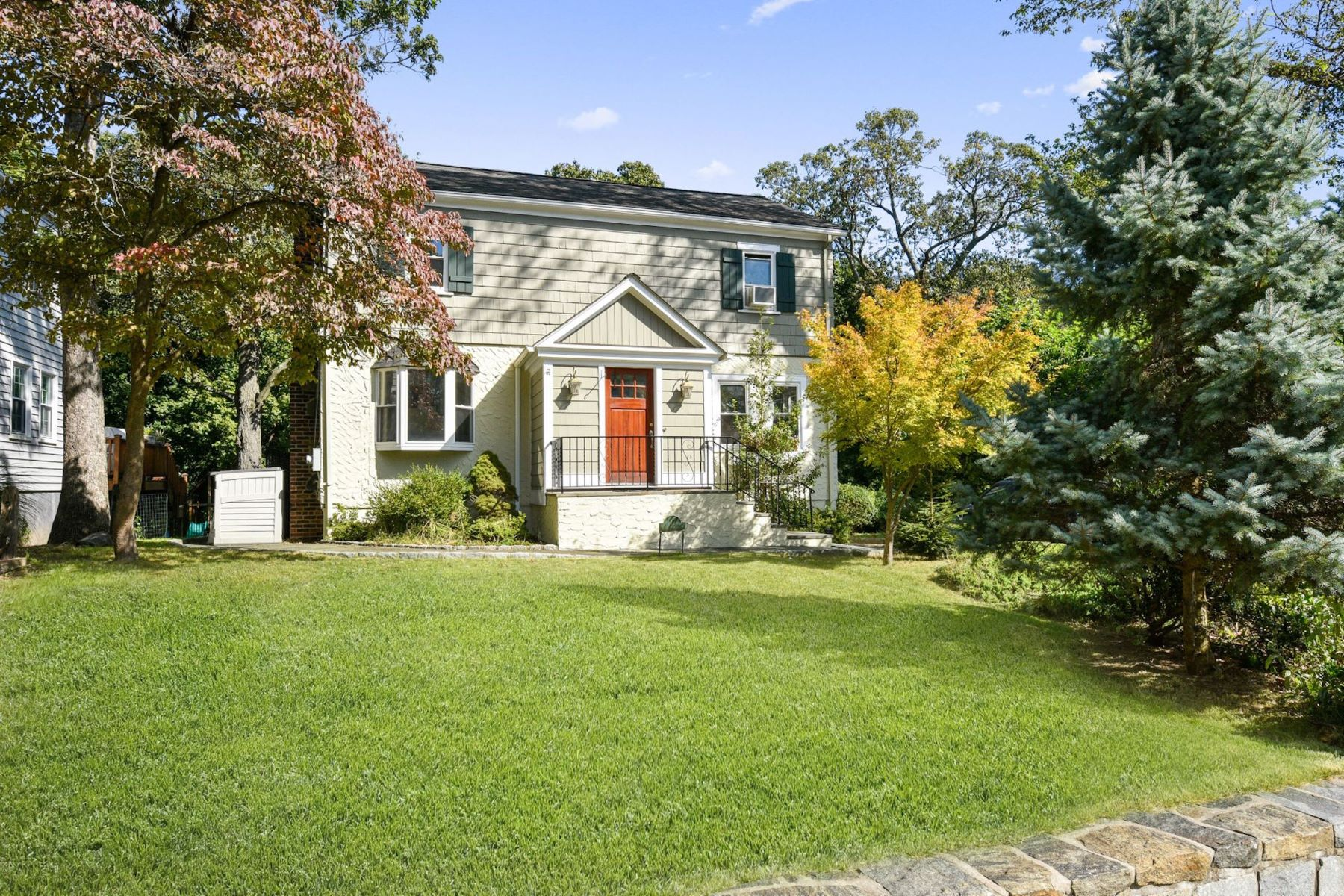 Single Family Homes for Sale at 49 Maplewood Avenue Greenburgh, New York 10522 United States