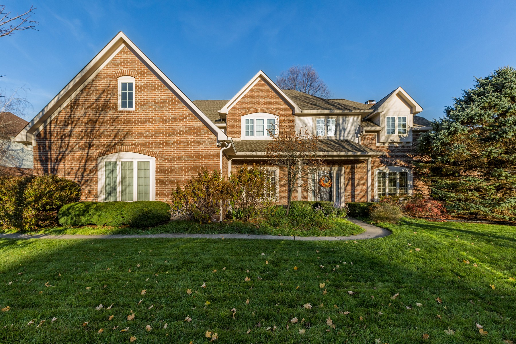 Single Family Home for Sale at Handsome, Executive Residence in Carmel 14175 Avian Way, Carmel, Indiana, 46033 United States