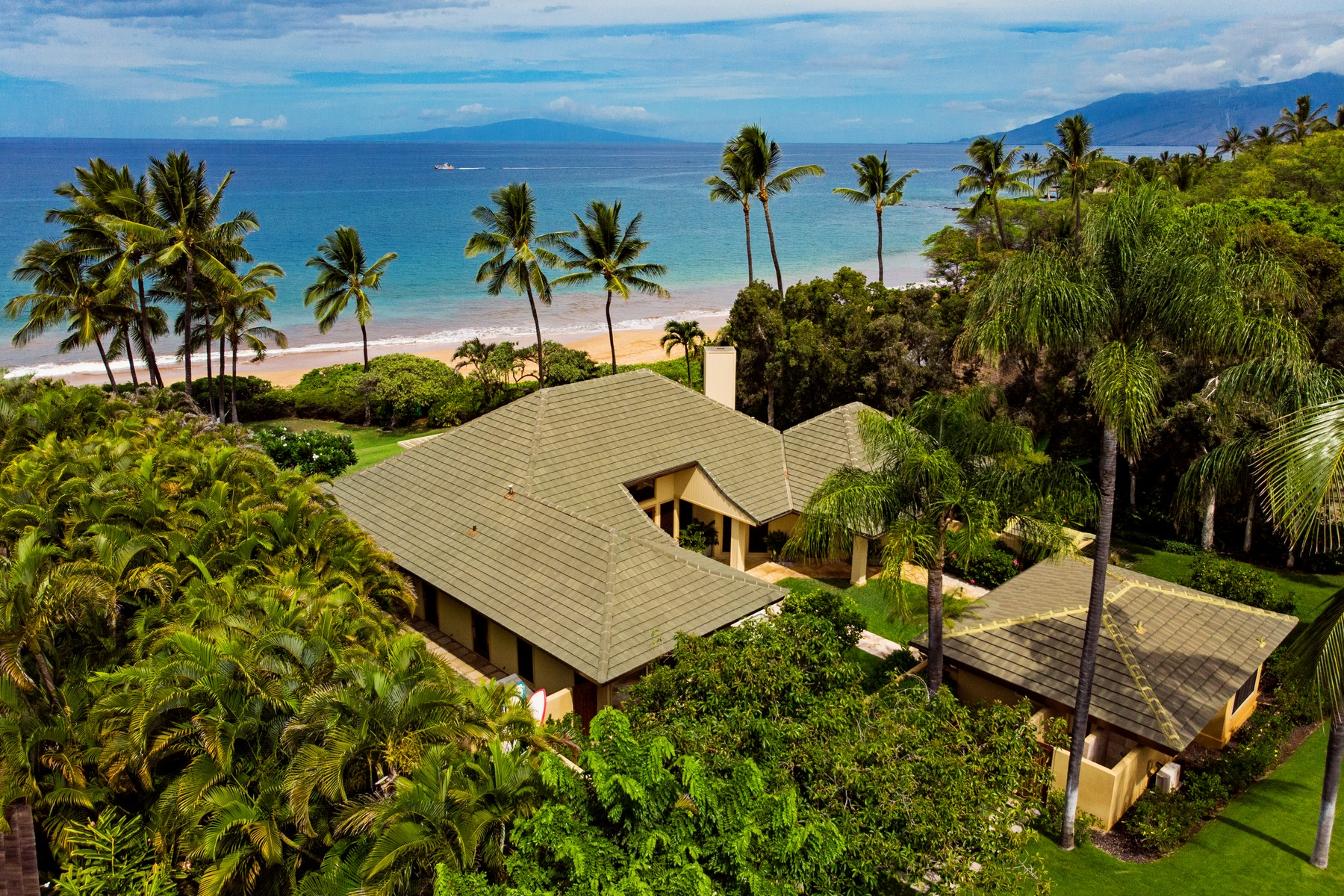 Single Family Homes 為 出售 在 Makena Beach Home - Private, Charming, Island Living 4680 Makena Rd, Makena, 夏威夷 96753 美國