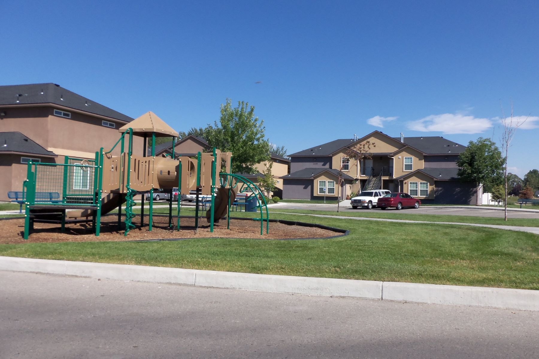 Additional photo for property listing at 1069 Pine, Meridian 1069 W Pine Meridian, Idaho 83642