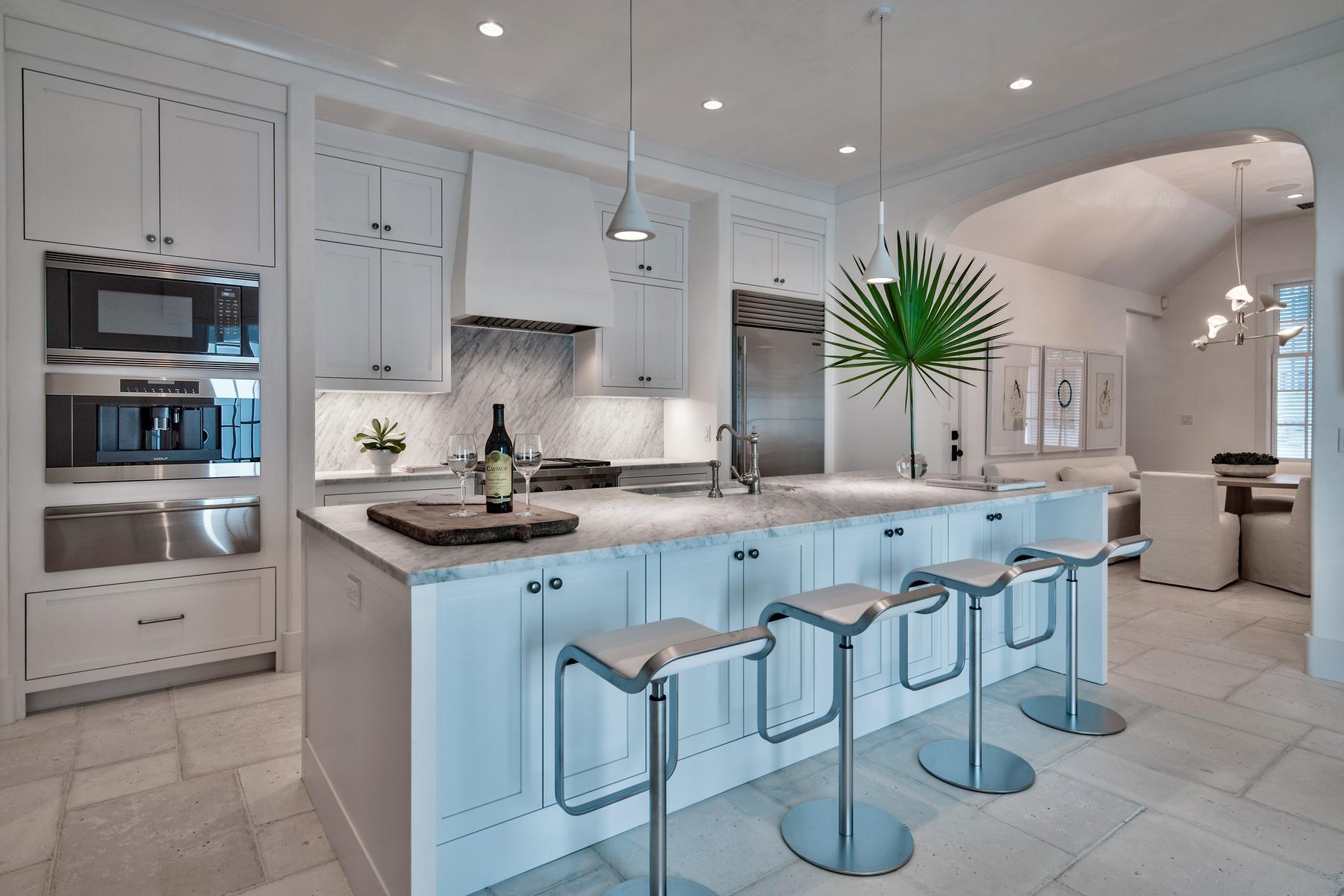 獨棟家庭住宅 為 出售 在 STUNNING NEW CONSTRUCTION ON ICONIC STREET NEAR LUXURY AMENITIES 45 N Charles Street Alys Beach, 佛羅里達州, 32461 美國