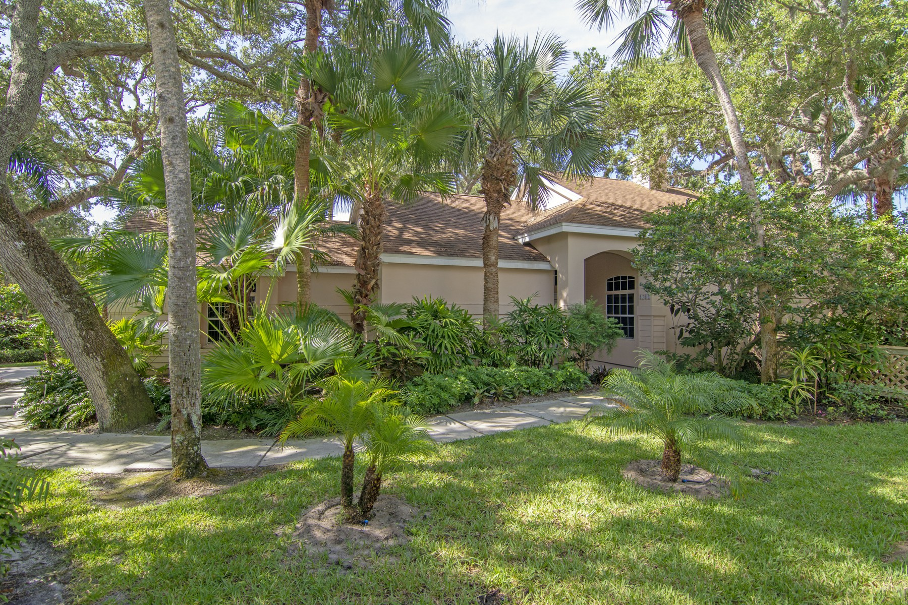 Single Family Home for Sale at Sea Oaks River Home 8785 Lakeside Boulevard Vero Beach, Florida 32963 United States