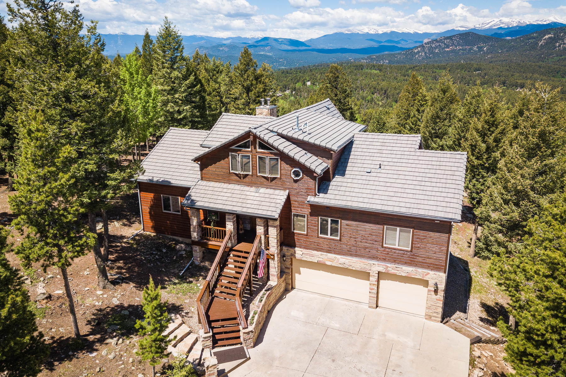 Single Family Homes for Sale at Inviting and well-crafted home defines mountain living 12401 Richmond Court Conifer, Colorado 80433 United States