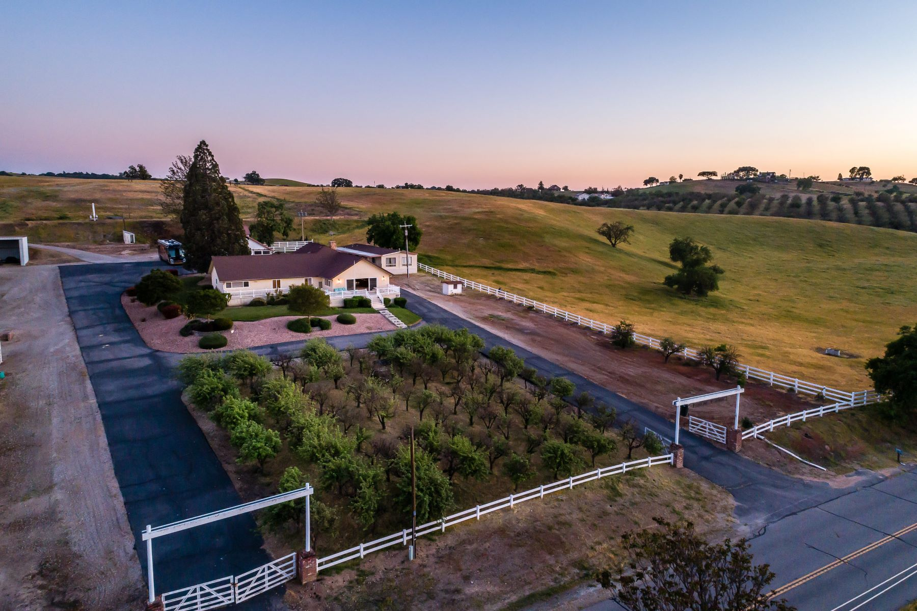 Single Family Homes for Sale at Smiling M Ranch 6425 Union Road Paso Robles, California 93446 United States
