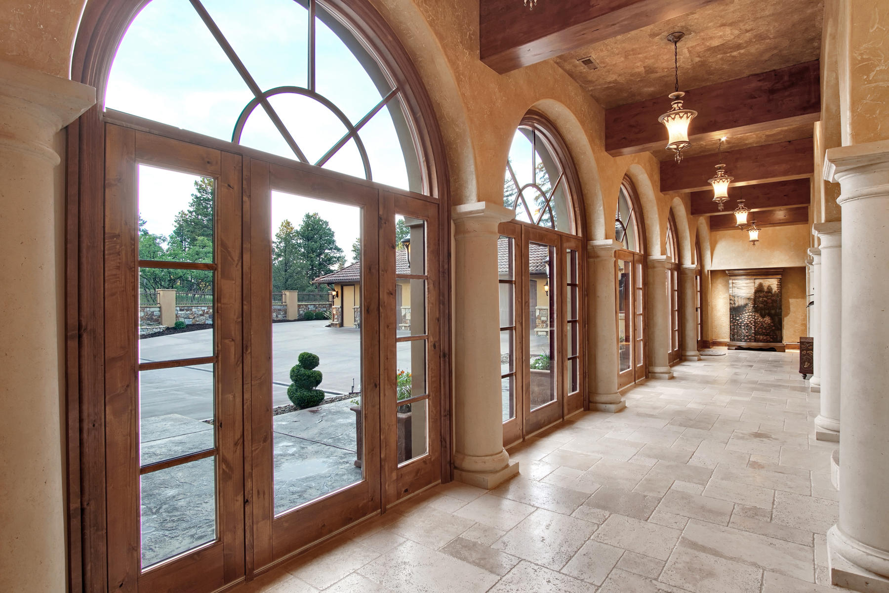 Additional photo for property listing at Tuscan Estate 12795 Oak Cliff Way Colorado Springs, Colorado 80908 United States