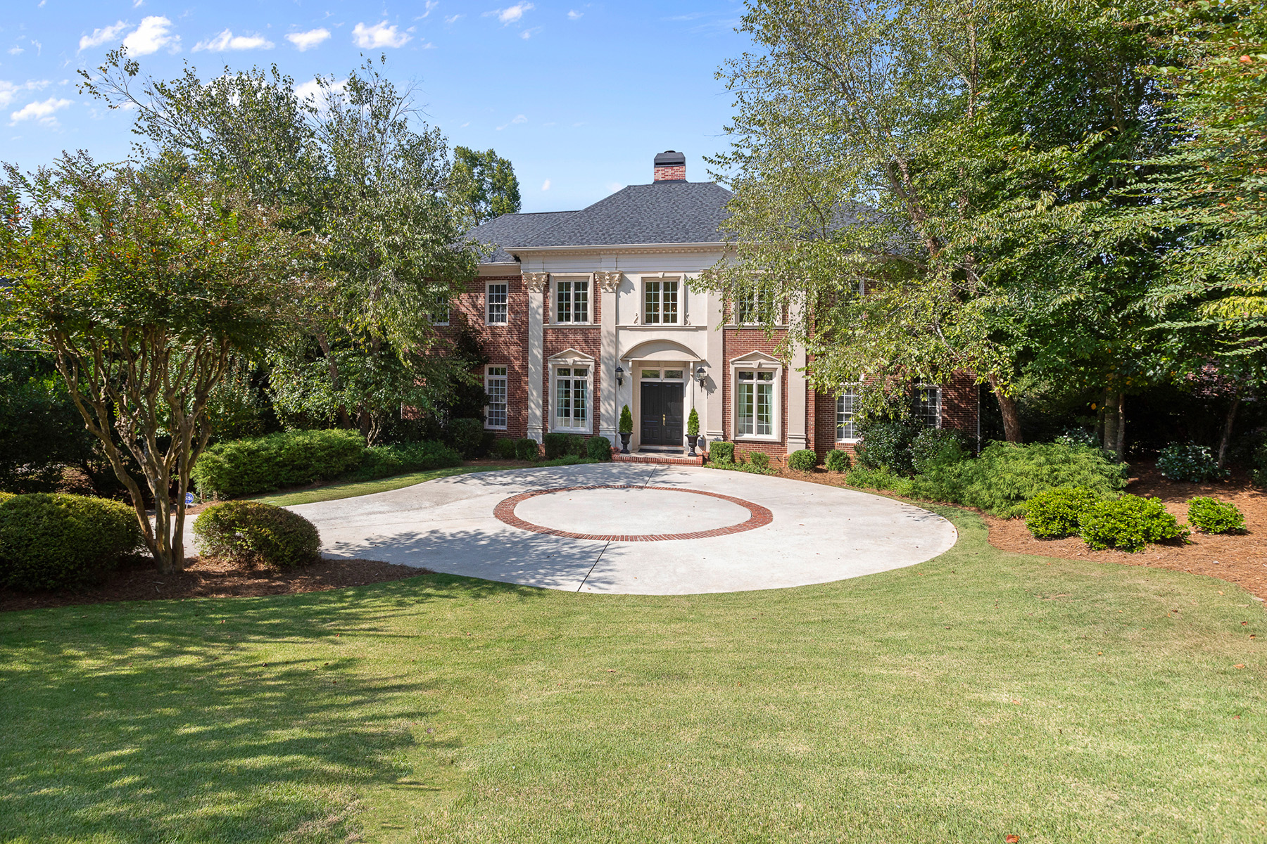 Single Family Homes por un Venta en Stunning Riverfront Home On The Chattahoochee River 3831 River Mansion Drive, Peachtree Corners, Georgia 30096 Estados Unidos