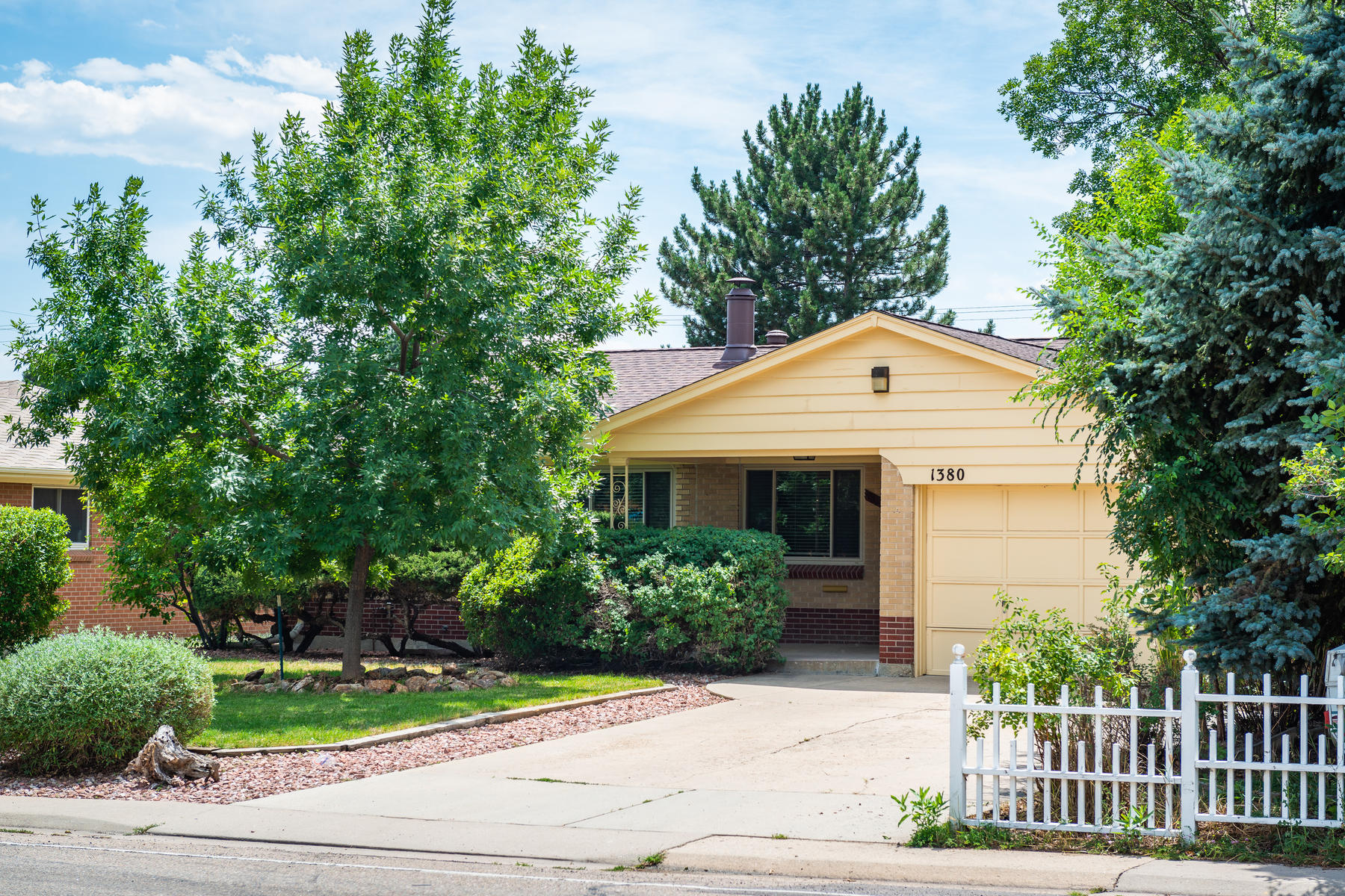 Single Family Home for Active at Wonderful Brick Ranch In The Popular Broomfield Heights 1380 West 6th Ave Broomfield, Colorado 80020 United States
