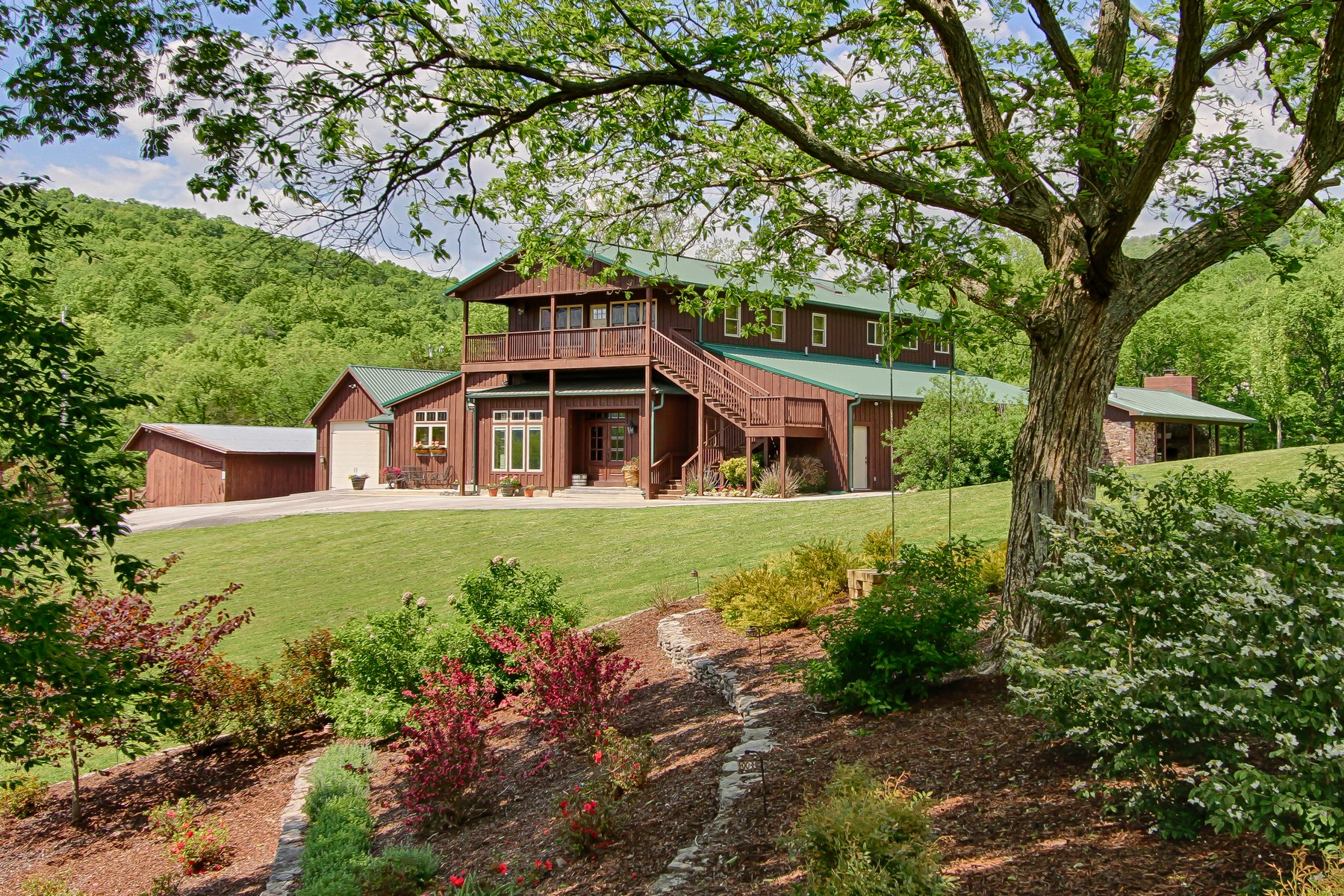 Single Family Home for Sale at SpringTree Farm 979 Wilson Cemetery Road Pikeville, Tennessee 37367 United States