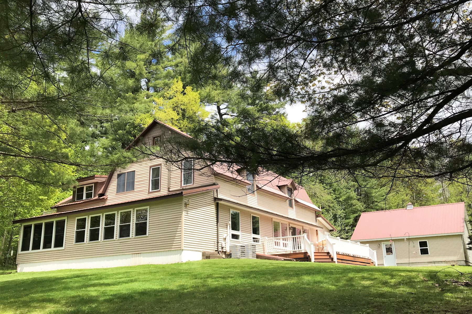 Single Family Homes för Försäljning vid Creekside Homestead 7118 Nortonville Rd., Lyonsdale, New York 13343 Förenta staterna