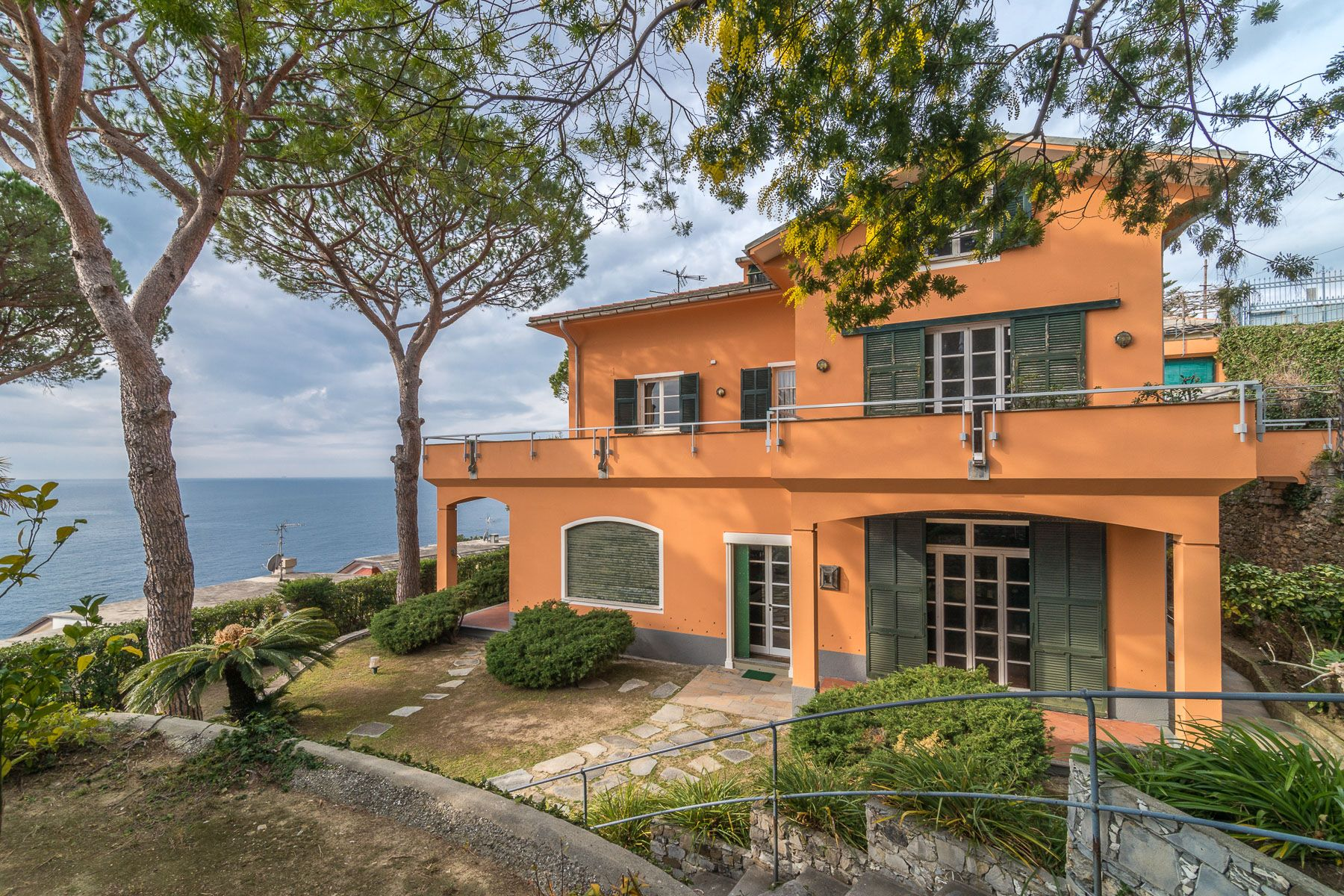 Maison unifamiliale pour l Vente à Beautiful villa overlooking the sea Via Francesco Crispi Autres Genoa, Genoa 16031 Italie
