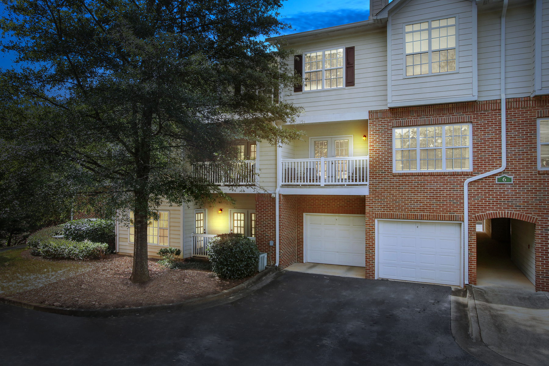 Townhouse for Sale at Unparalleled Location For Unbeatable Price 608 Spring Heights Ln Smyrna, Georgia 30080 United States