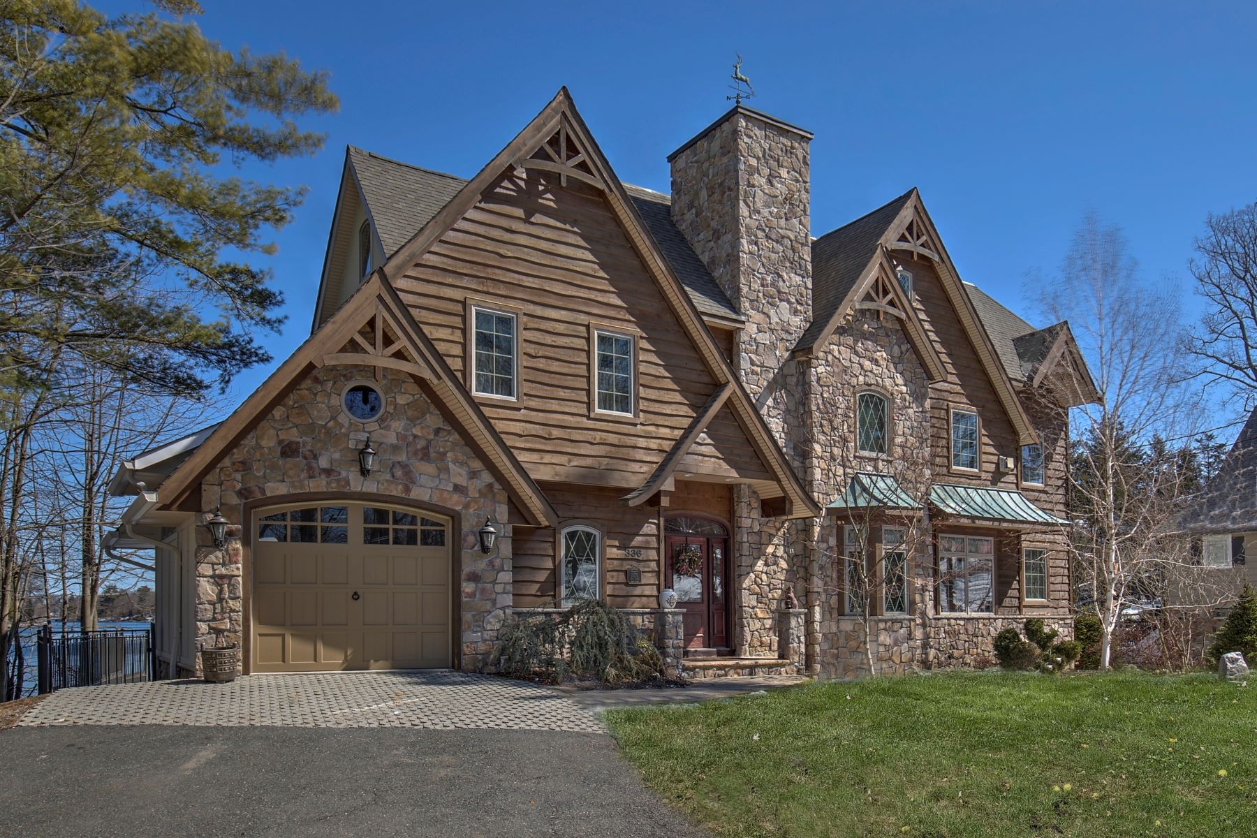 Частный односемейный дом для того Продажа на Unique Lake Front Home 336 West Shore Trail, Sparta, Нью-Джерси 07871 Соединенные Штаты