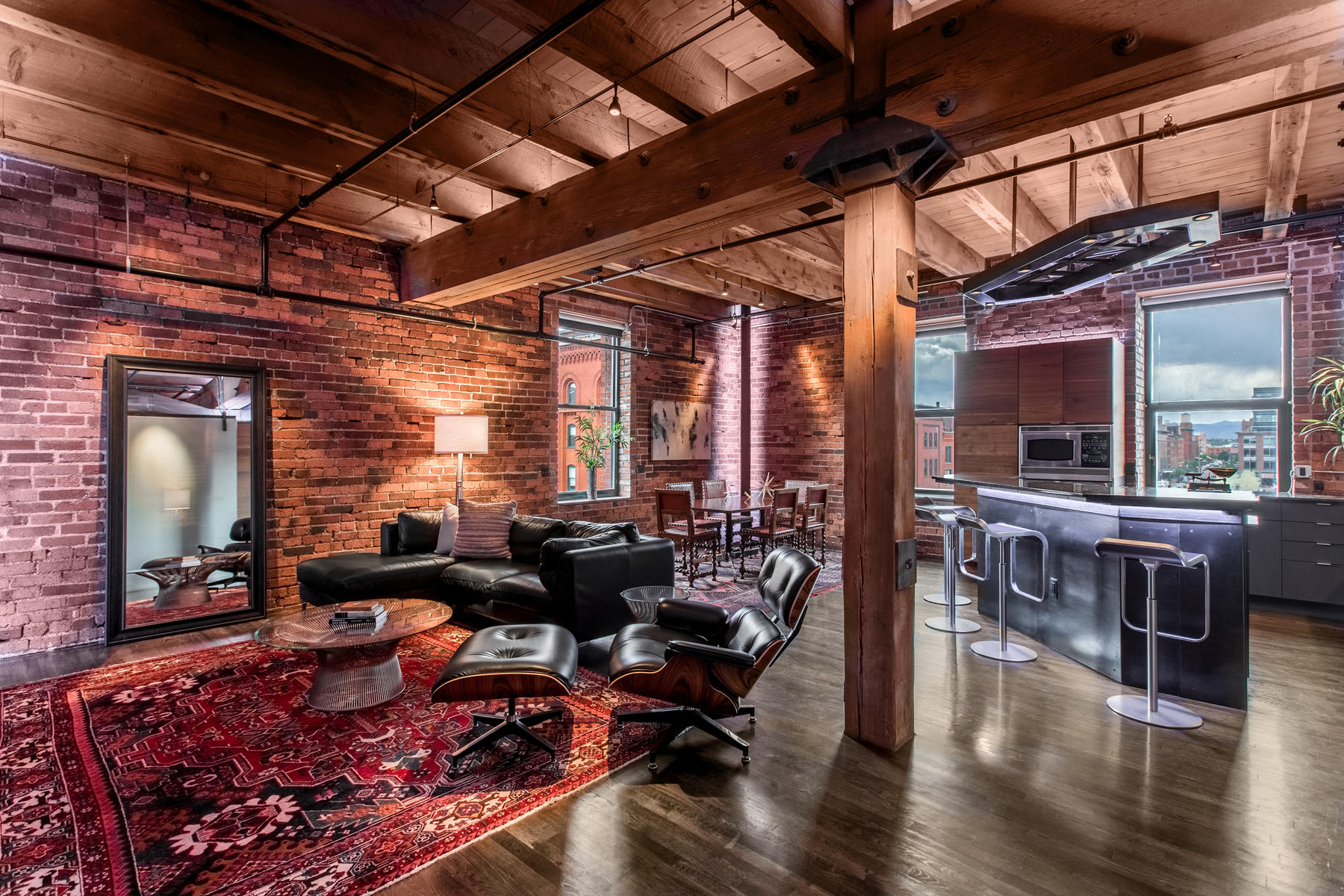 Condominium for Active at SPACE, LIGHT AND FLOW! 1801 Wynkoop Street #413 Denver, Colorado 80202 United States
