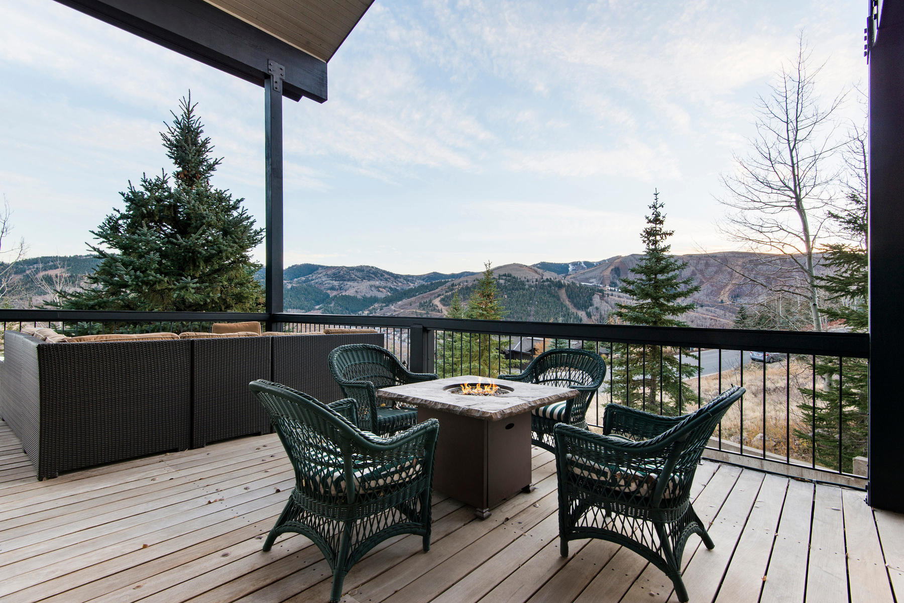 Additional photo for property listing at The Ultimate View Home Minutes to Historic Main St. 1235 Aerie Dr Park City, Utah 84060 United States