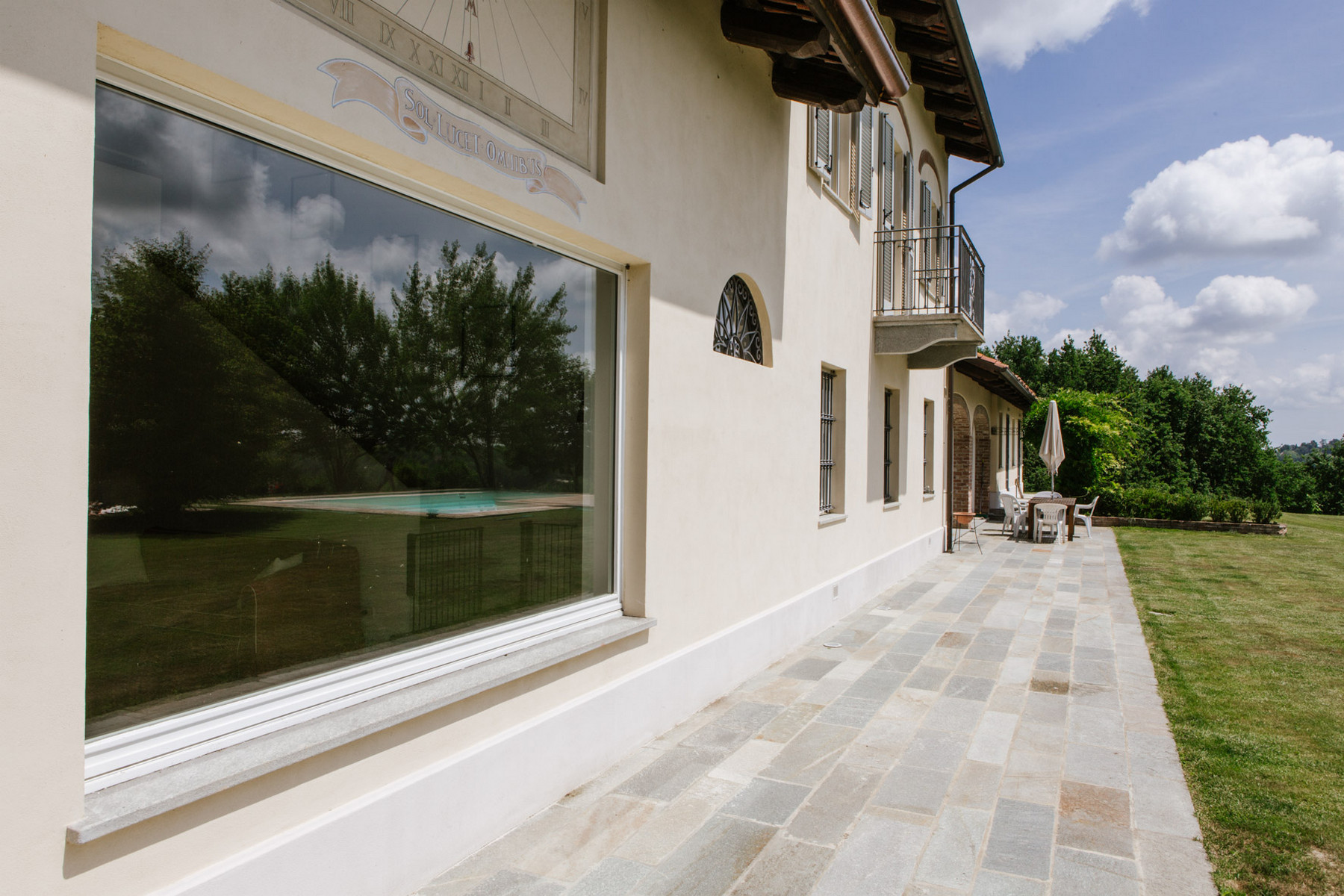 Additional photo for property listing at Villa on the top of the hills with outdoor pool Regione Sant' Antonio, 9 Villafranca D Asti, Asti 14018 Italy