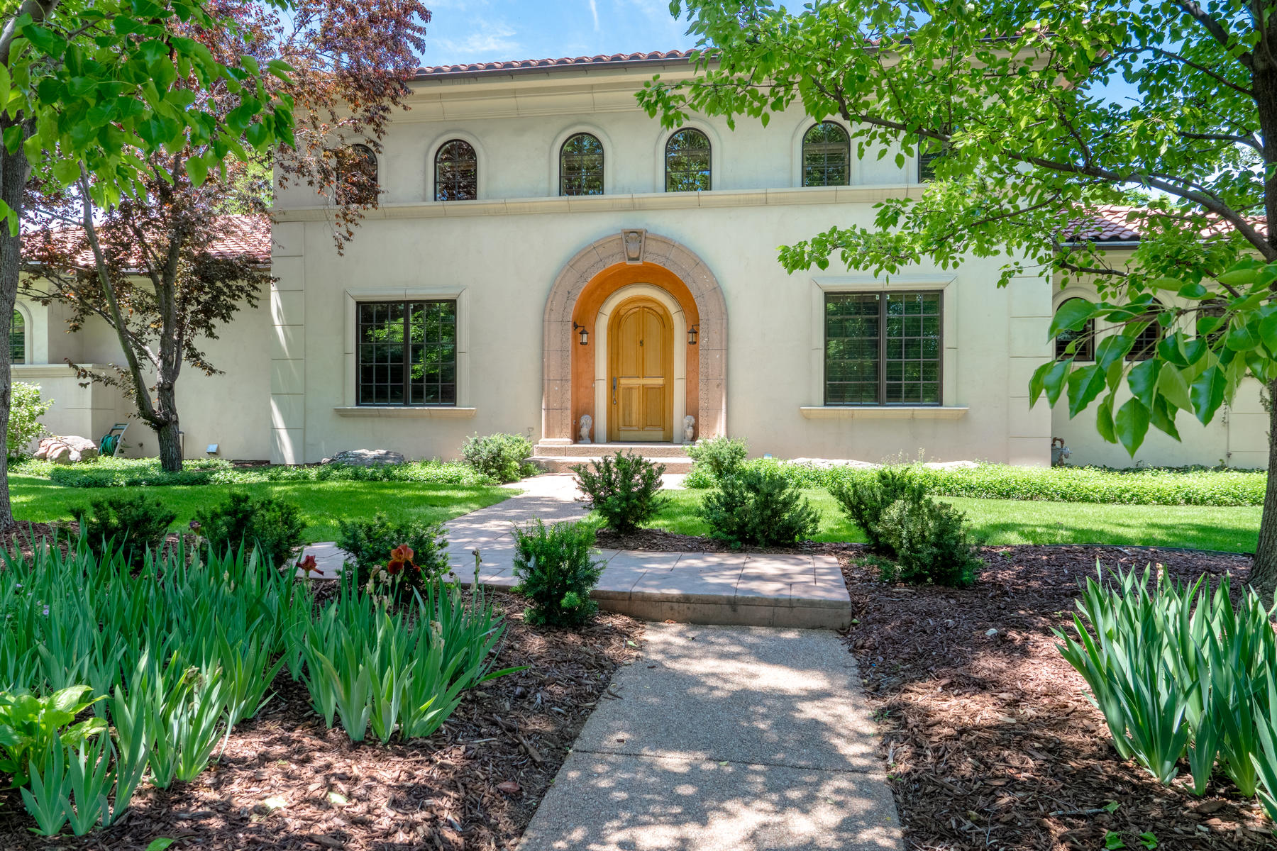 Single Family Home for Active at Graceful Italian Villa Styling in sought after gated Buell Mansion Homes 5 Gray Owl Rd Cherry Hills Village, Colorado 80113 United States