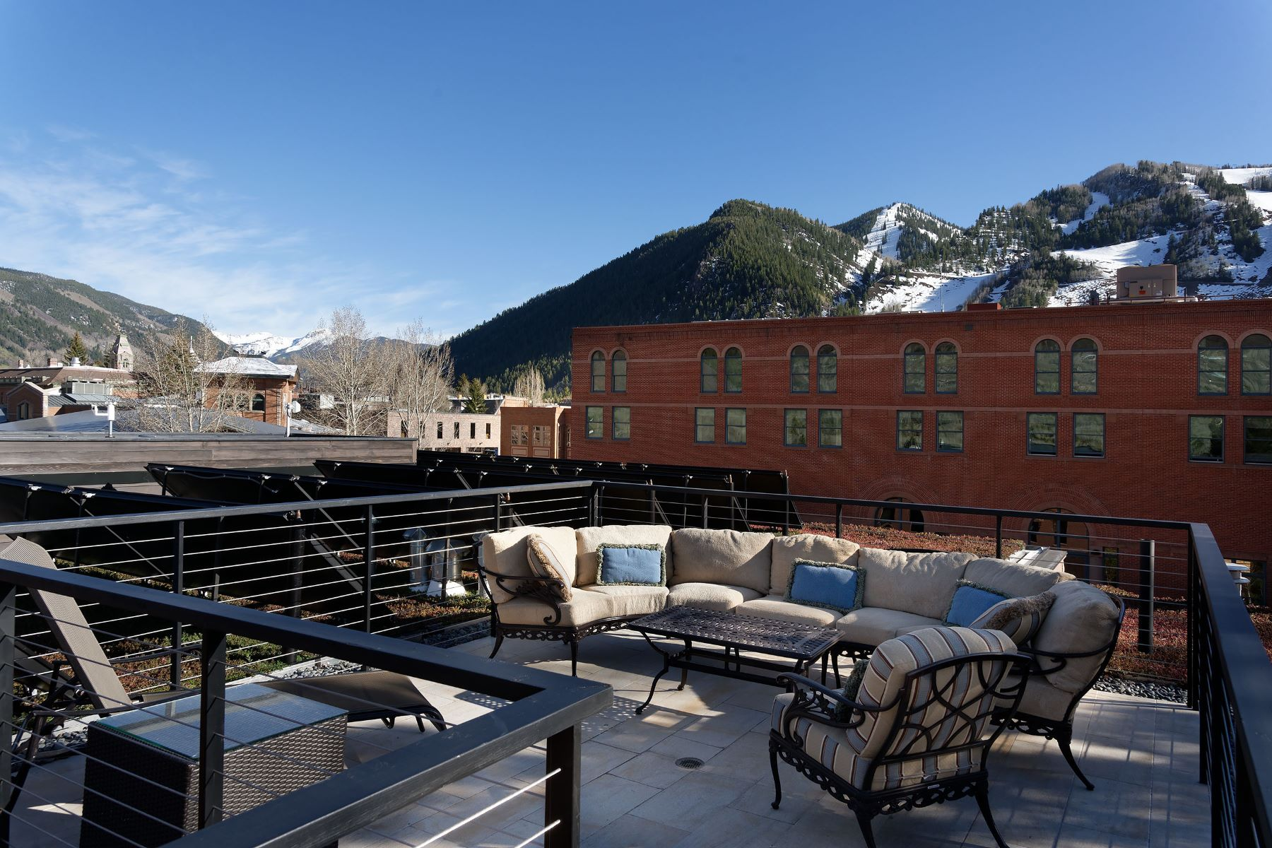 Additional photo for property listing at Mill Street Penthouse 201 North Mill Street Aspen, Colorado 81611 United States