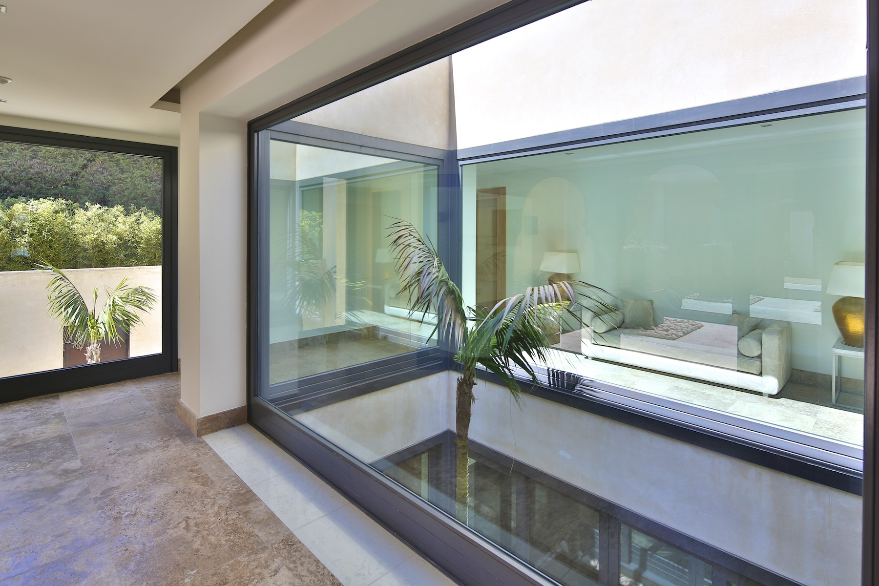 Additional photo for property listing at Contemporary Villa in Sotogrande Costa Other Andalucia, Andalucia Spain