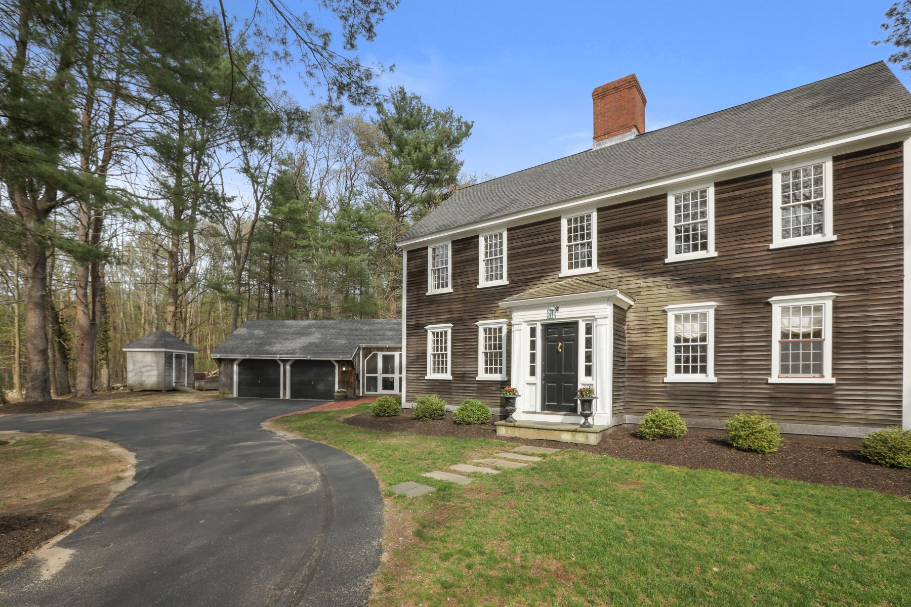 Single Family Home for Active at Queen Anne Lane 17 Queen Anne Ln Norwell, Massachusetts 02061 United States