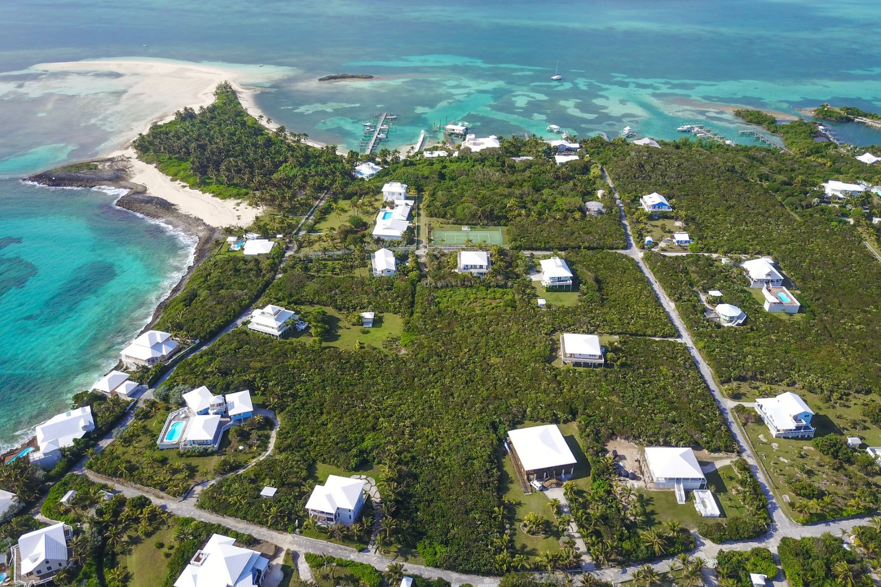 Additional photo for property listing at Jamie's Lot 42 Elbow Cay Hope Town, Abaco Bahamas