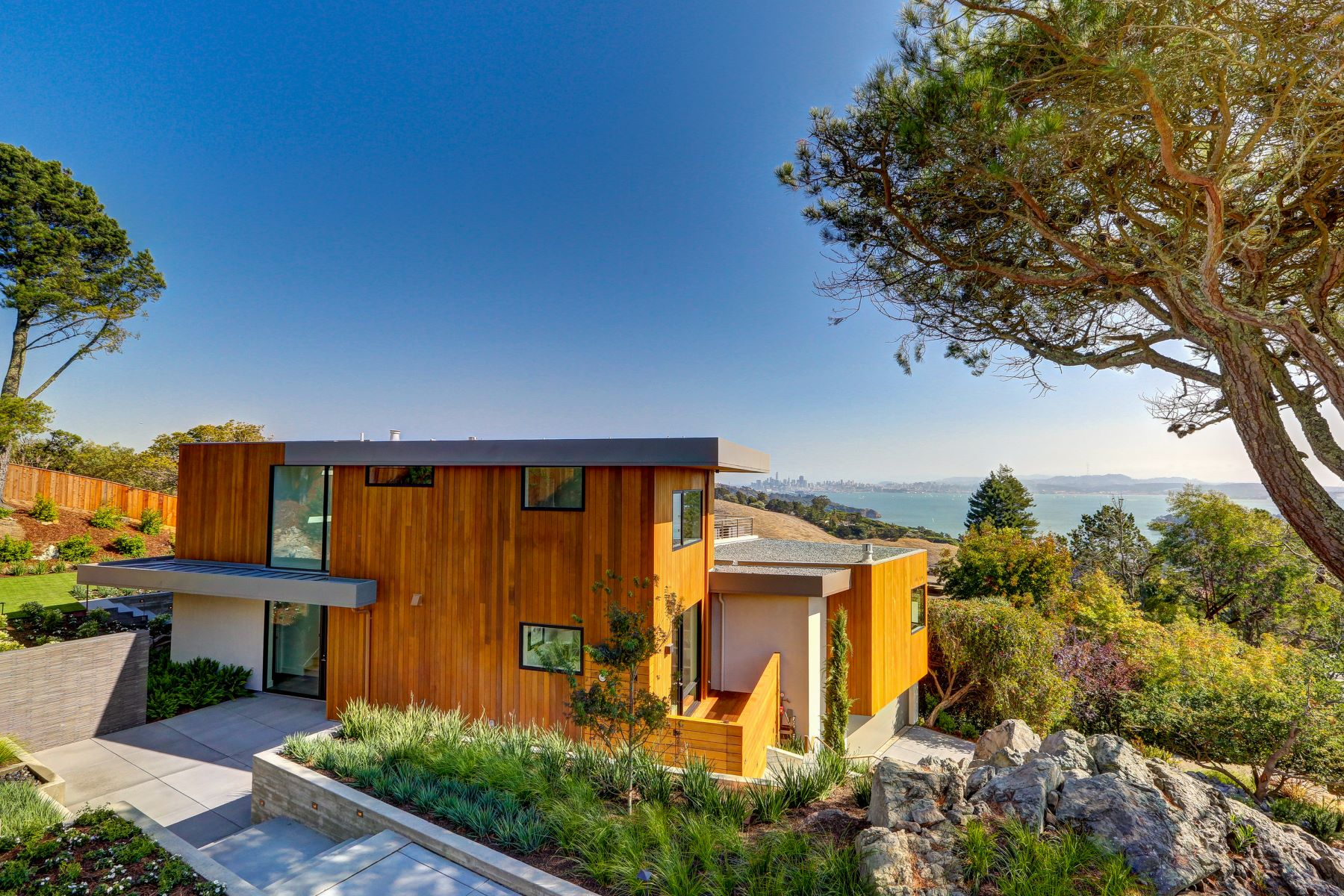 Single Family Home for Sale at Spectacular Ultra Contemporary Home! 86 Sugarloaf Dr Tiburon, California 94920 United States