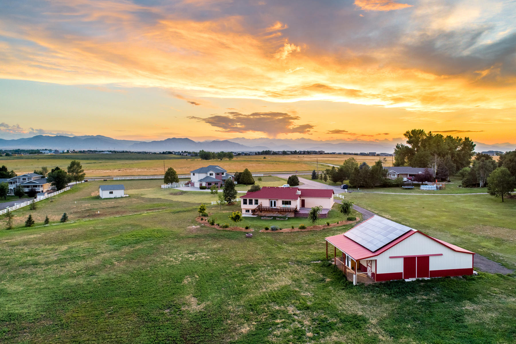 Single Family Homes para Venda às Custom Ranch on 2.16 Acres Surrounded by Open Space 3450 W 147th Court, Broomfield, Colorado 80023 Estados Unidos