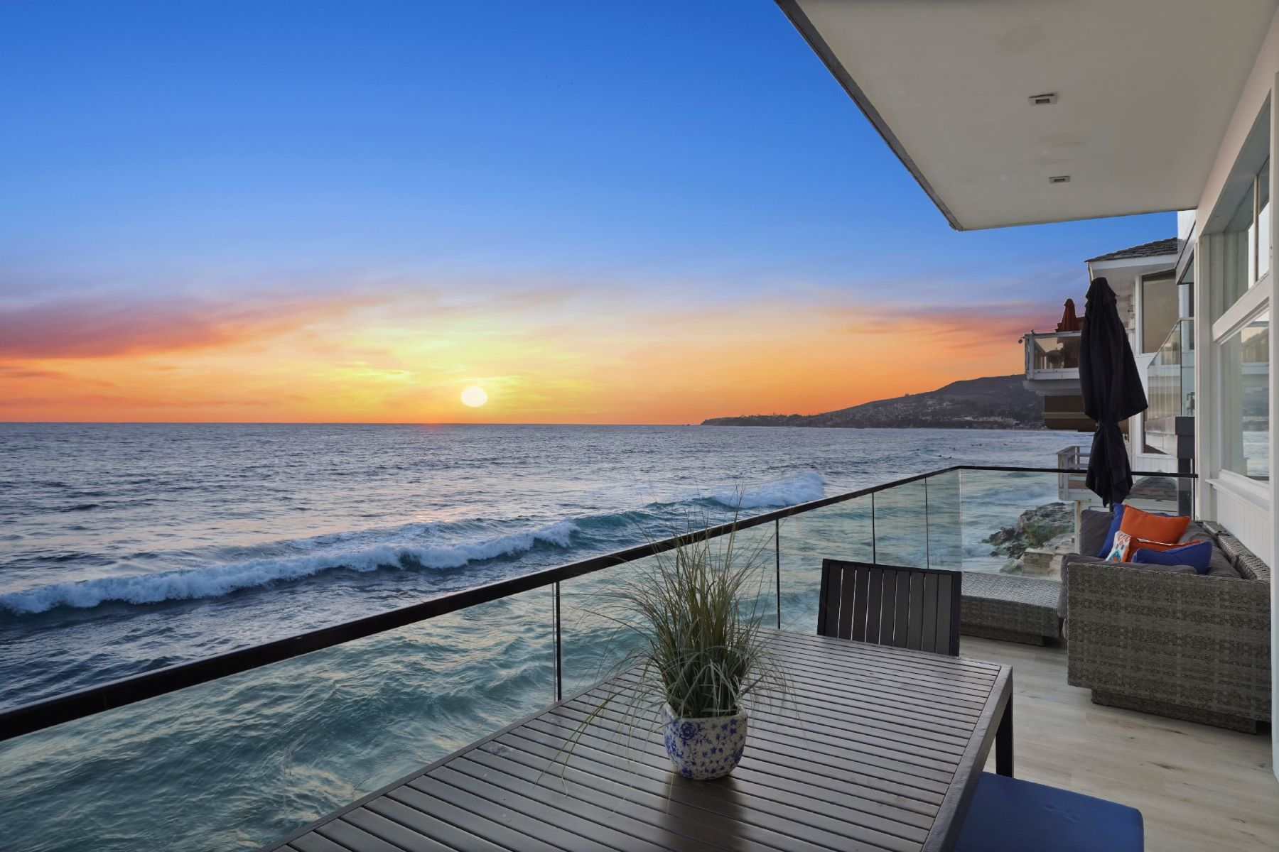 Duplex Homes for Active at 1241 Ocean Front Laguna Beach, California 92651 United States
