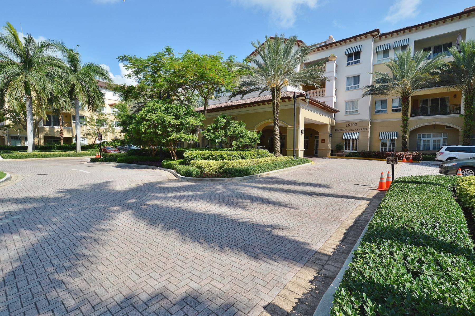 コンドミニアム のために 売買 アット 16102 Emerald Estates Dr. # 402 Weston, フロリダ, 33331 アメリカ合衆国
