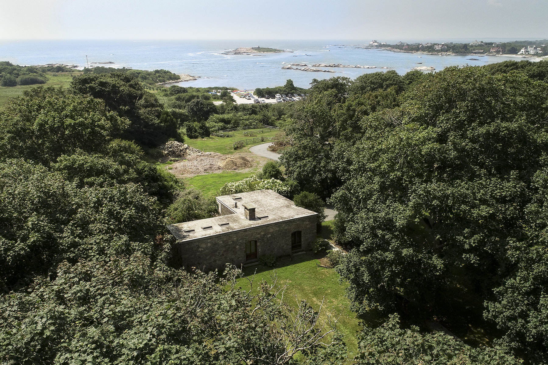 Additional photo for property listing at Ocean Drive Rocky Farm 121 Ocean Avenue Newport, Rhode Island 02840 United States