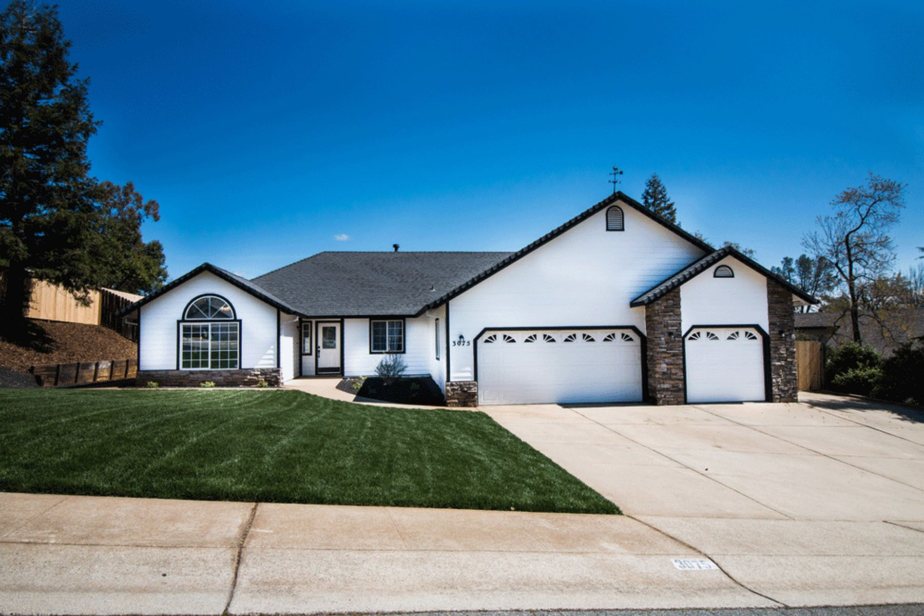 Single Family Homes for Active at Windsor Estates in Shasta Lake 3075 Butterfly Ln Shasta Lake, California 96019 United States