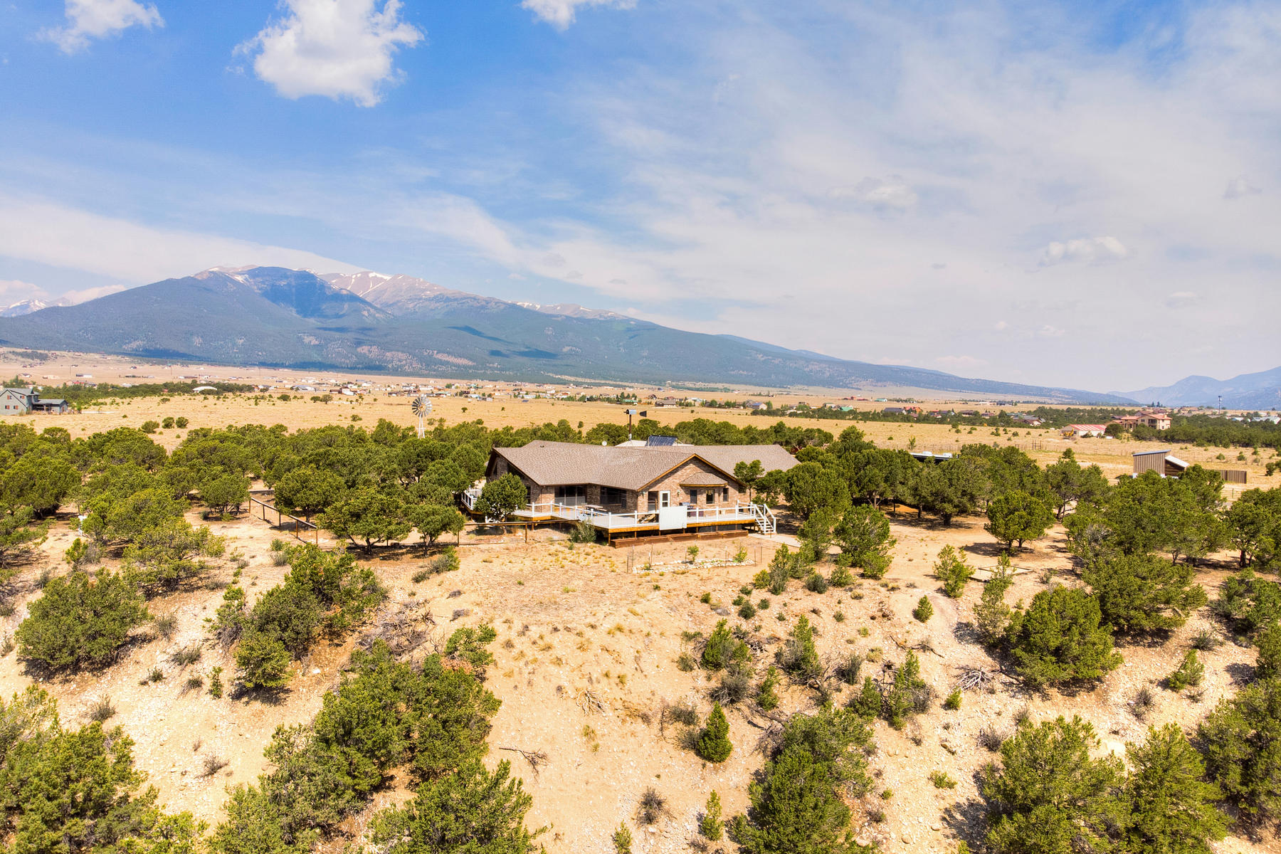 Single Family Homes pour l Vente à 36+ Acre Horse Property 13250 County Road 353, Buena Vista, Colorado 81211 États-Unis