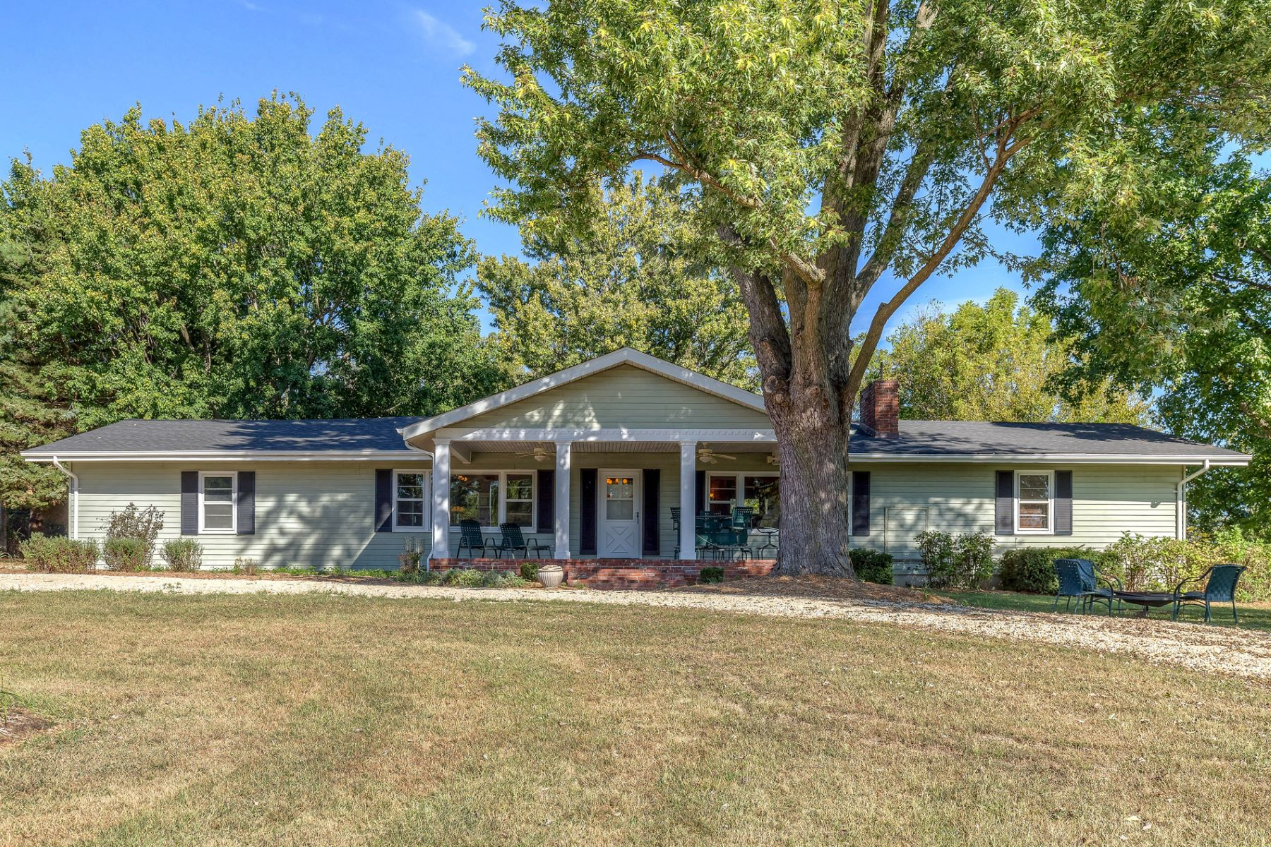 Single Family Home for Sale at Highway 79 17426 Highway 79 Clarksville, Missouri 63336 United States