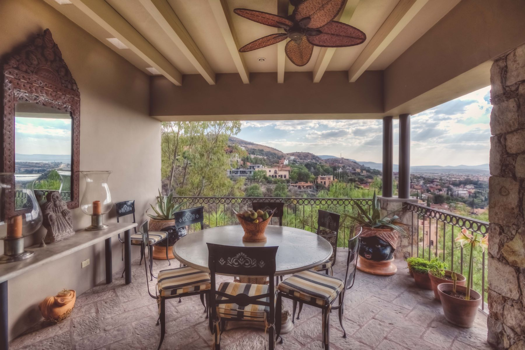Additional photo for property listing at QUINTA BELLA VISTA Callejon del Chorro San Miguel De Allende, Guanajuato 37700 Mexico