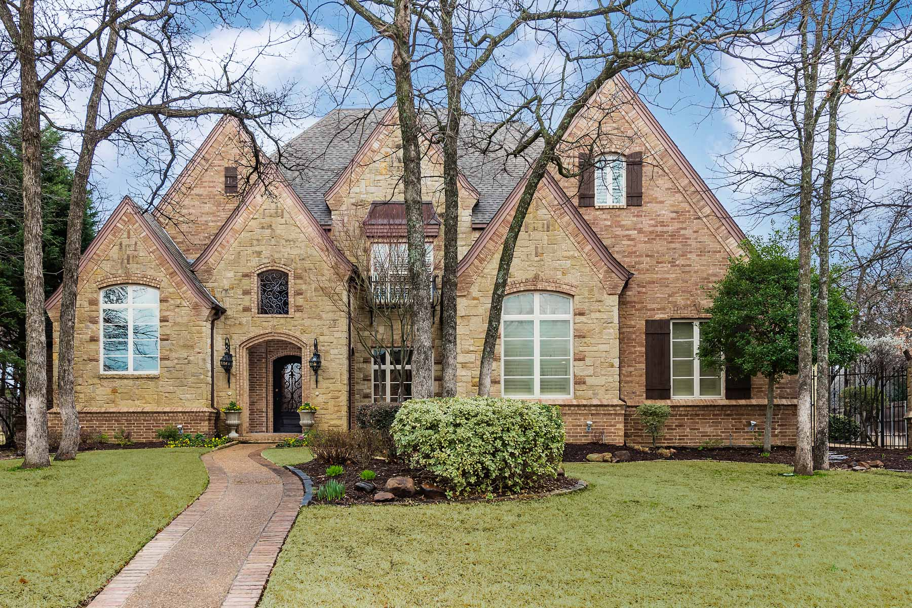 Single Family Home for Sale at Recently Renovated Custom Home 1829 Barrington Drive Keller, Texas 75262 United States