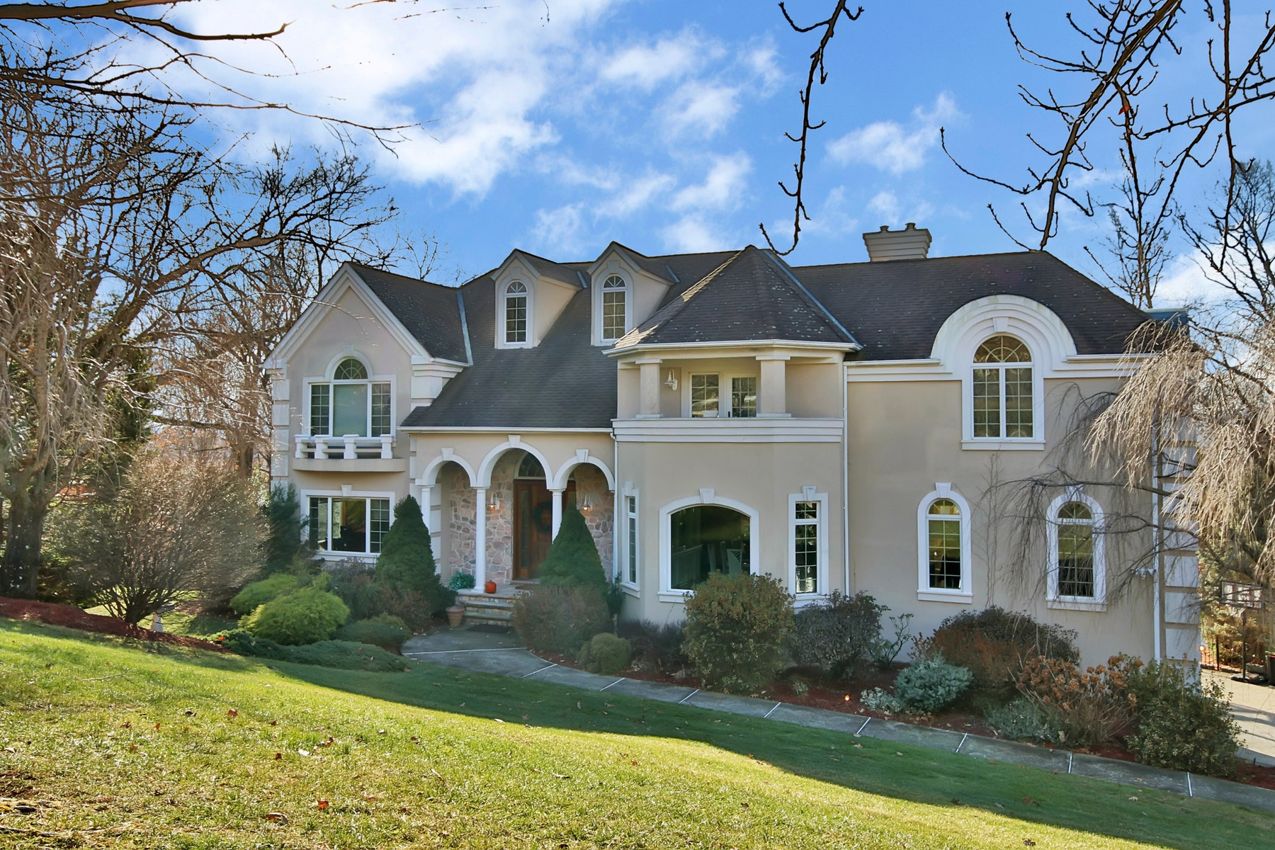 Single Family Home for Sale at Prestigious Vizcaya Estate 4 Vizcaya Court Wayne, New Jersey 07470 United States