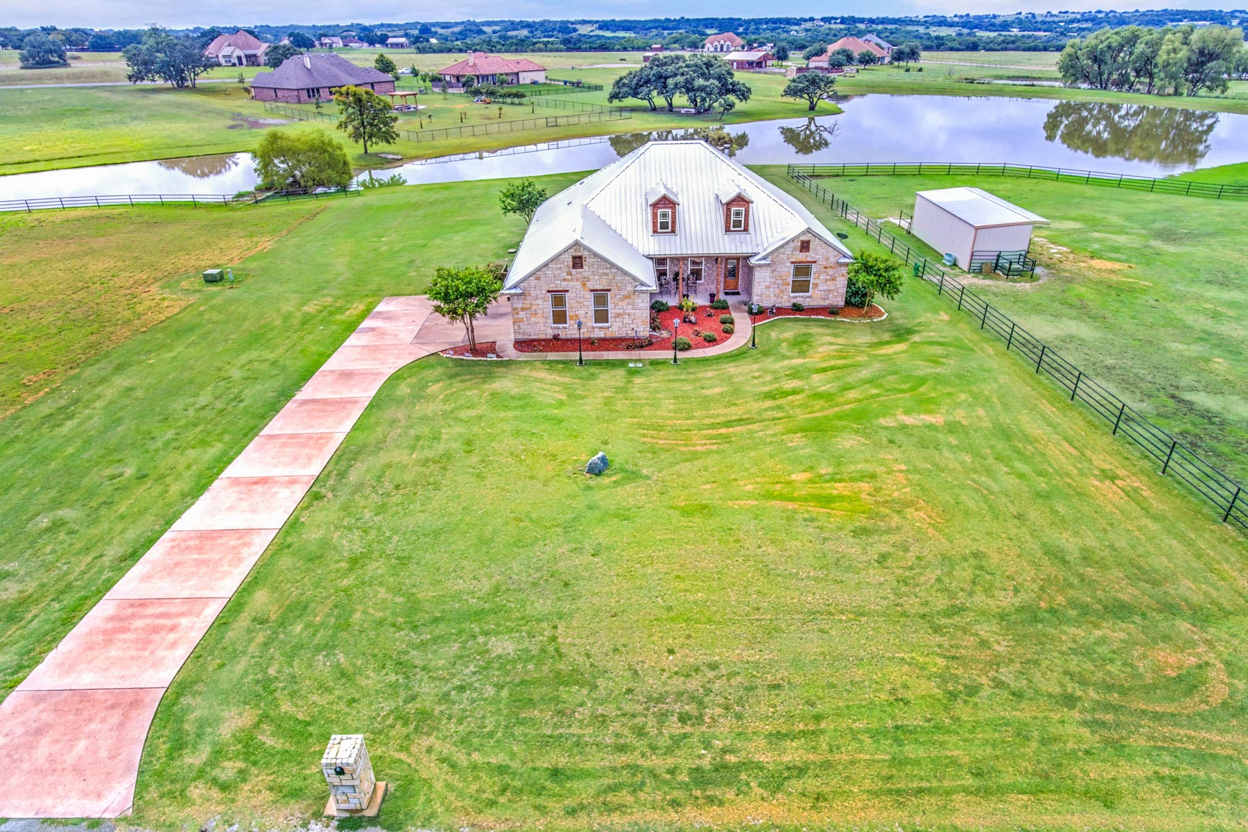 Single Family Home for Sale at 206 Haciendas Drive Weatherford, Texas, 76087 United States
