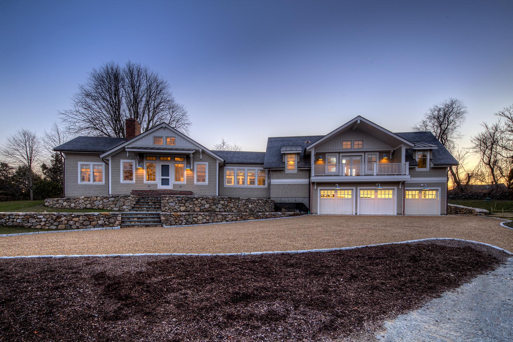واحد منزل الأسرة للـ Sale في Indian Avenue 314 Indian Avenue Middletown, Rhode Island 02842 United States