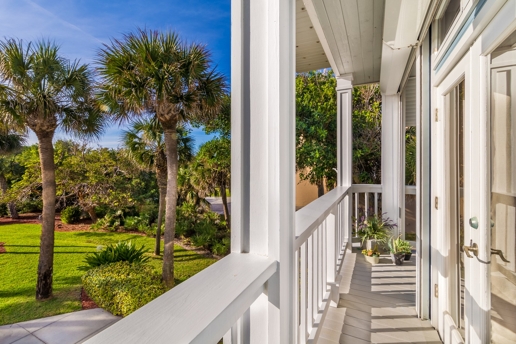 Additional photo for property listing at Beautiful Oceanfront Duplex 8333 S Highway A1A Melbourne Beach, Florida 32951 United States