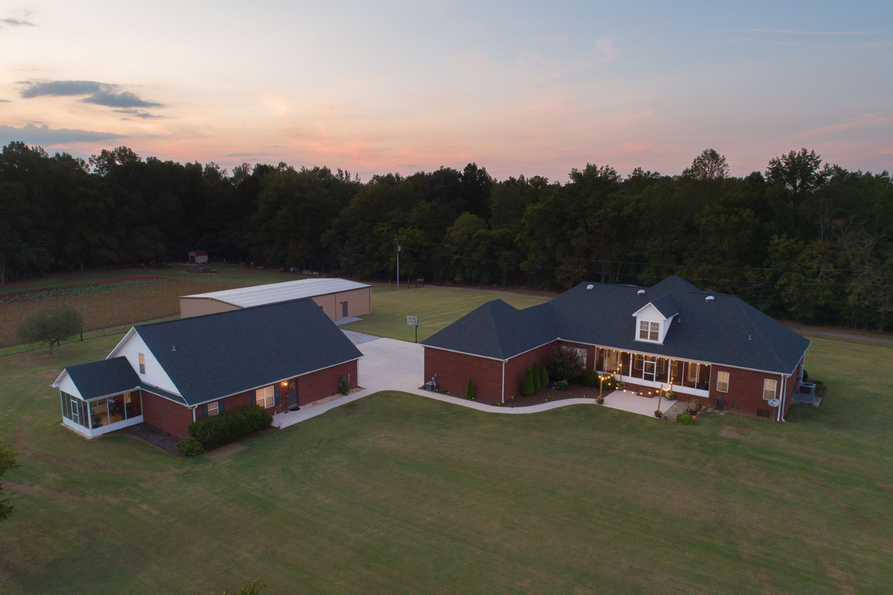 Single Family Homes por un Venta en 262 Manley Road Hazel Green, Alabama 35761 Estados Unidos