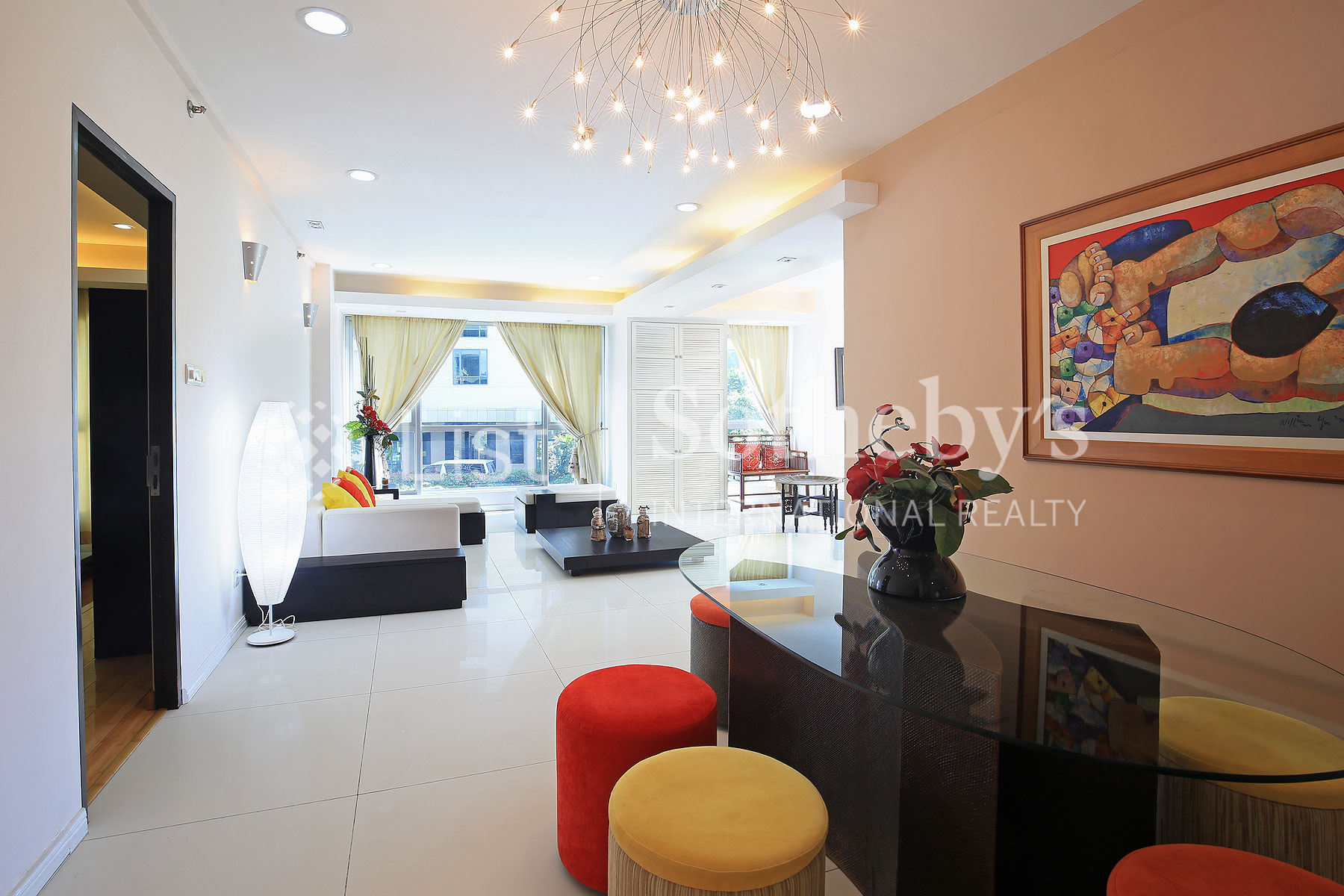 Additional photo for property listing at 2 Bedroom Contemporary Unit in BGC Kensington Place Condominum First Ave, Fort Bonifacio Global City Taguig City, Philippines 1634 Philippines