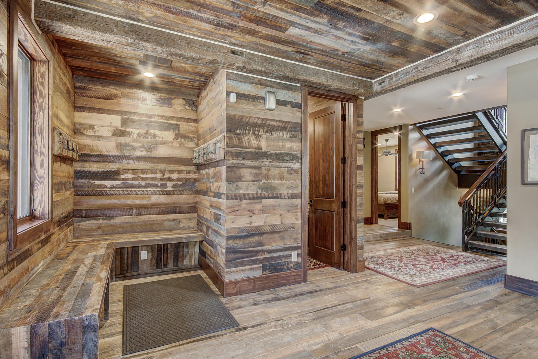 Additional photo for property listing at Luxury Copper Ski Home 903 Beeler Place Copper Mountain, Colorado 80443 United States