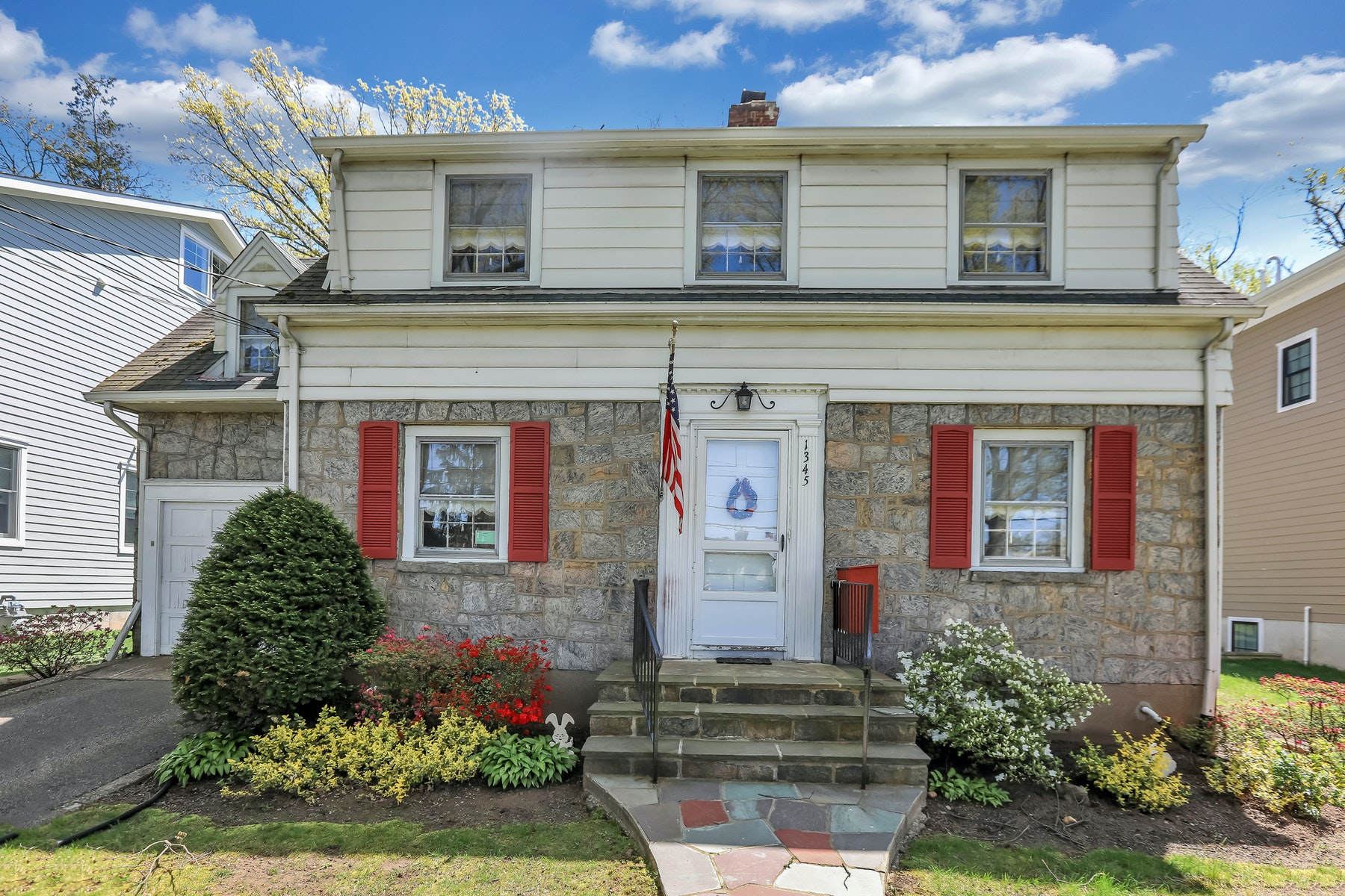 Single Family Homes for Sale at Excellent Location 1345 Somerset Rd. Teaneck, New Jersey 07666 United States