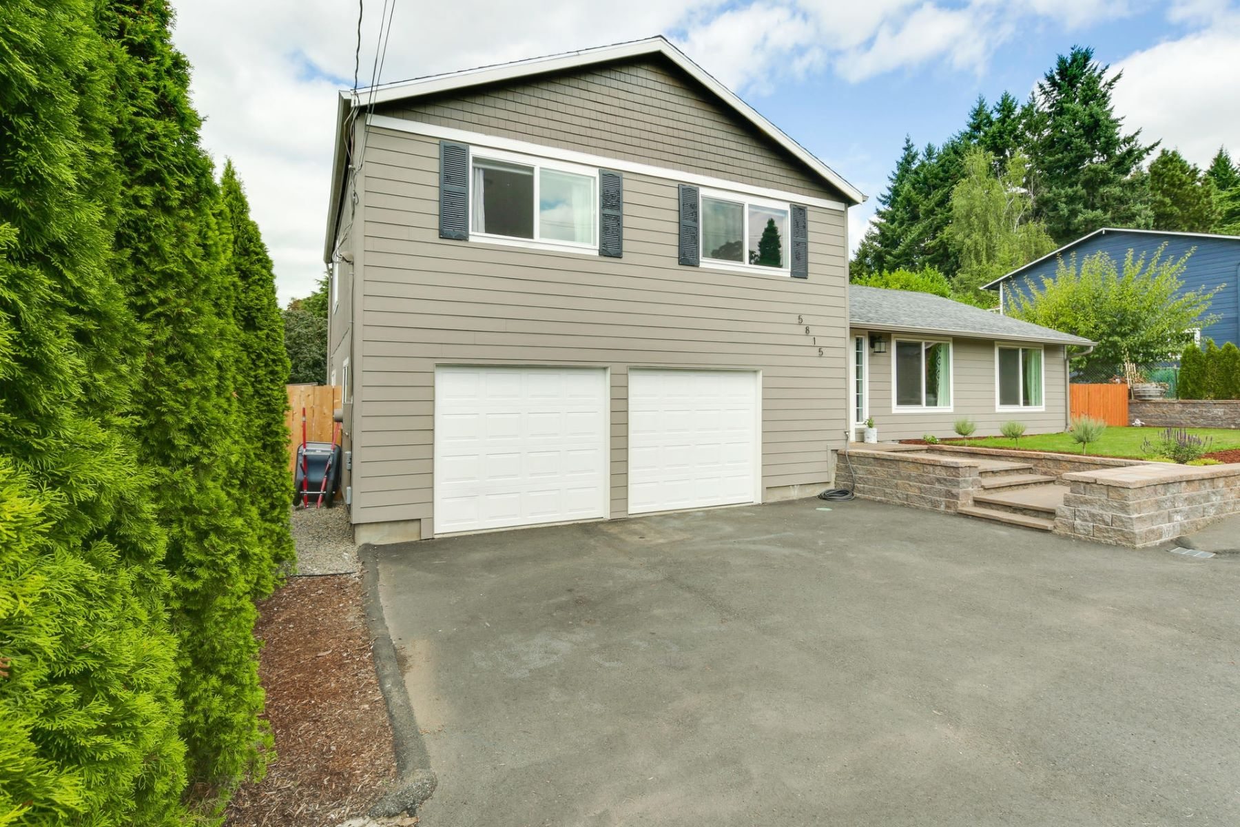 Single Family Homes for Active at 5815 SE Jennings Ave Milwaukie, Oregon 97267 United States