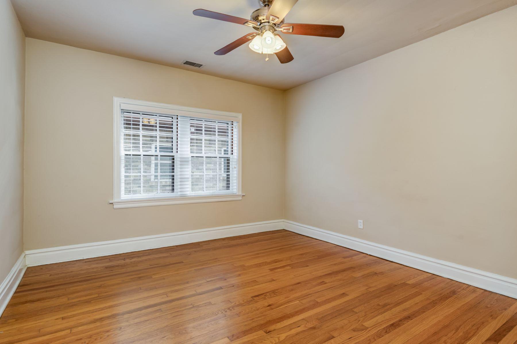 Additional photo for property listing at Pershing Ave 7369 Pershing Ave # 2E University City, Missouri 63130 United States