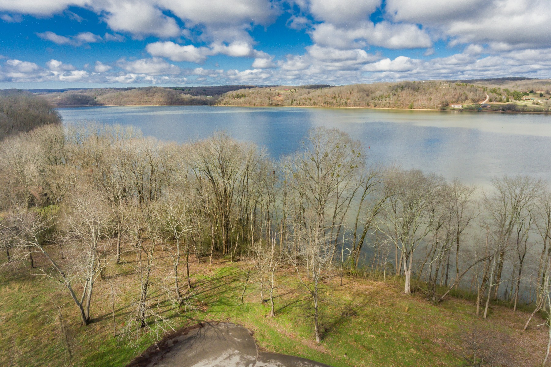 أراضي للـ Sale في Exceptional Waterfront Property Deer Lane Lots 7 and 8, Kingston, Tennessee 37763 United States