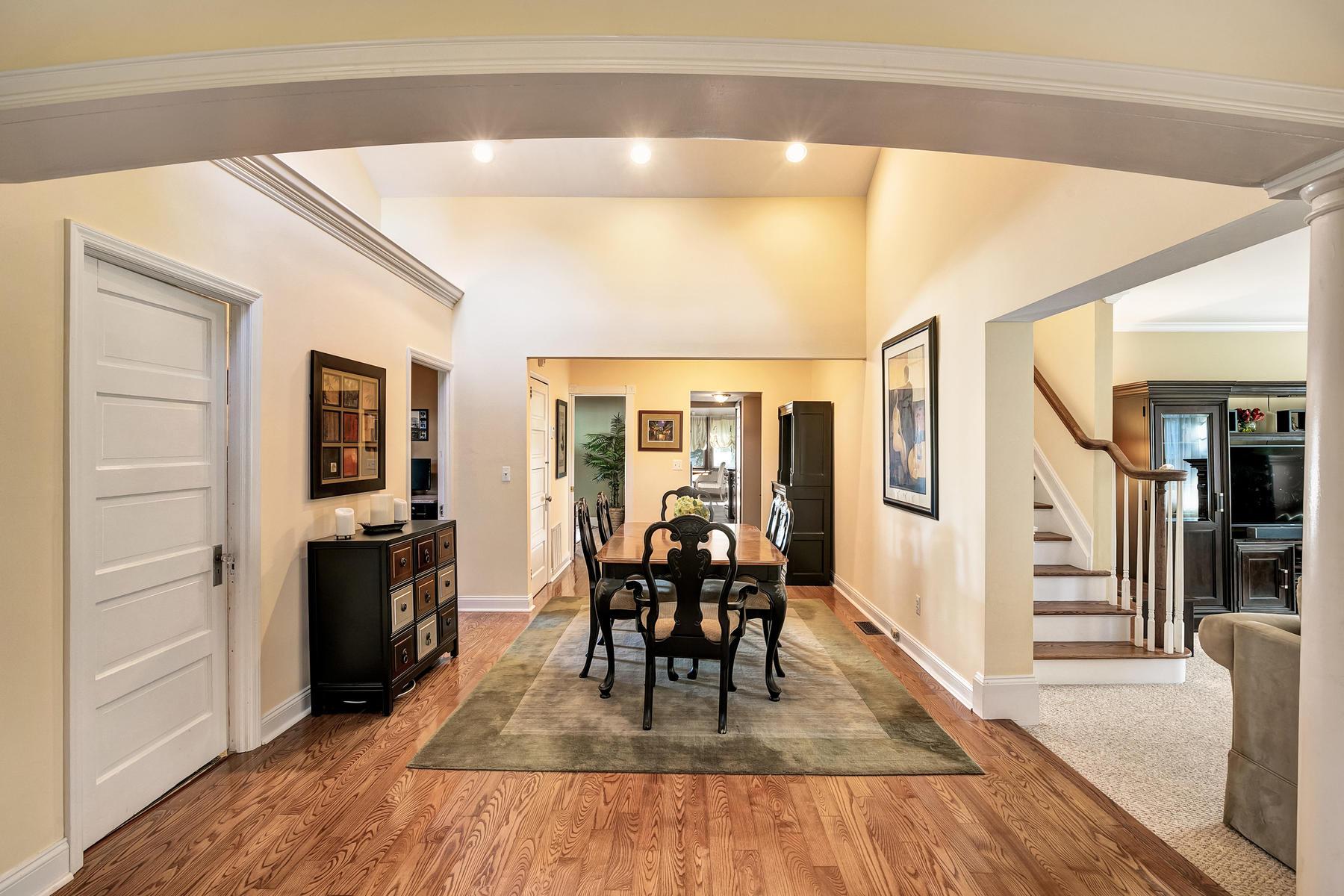 Villa per Vendita alle ore Fantastic Custom Home 1626 W Maplewood Road, Wall, New Jersey 07719 Stati Uniti