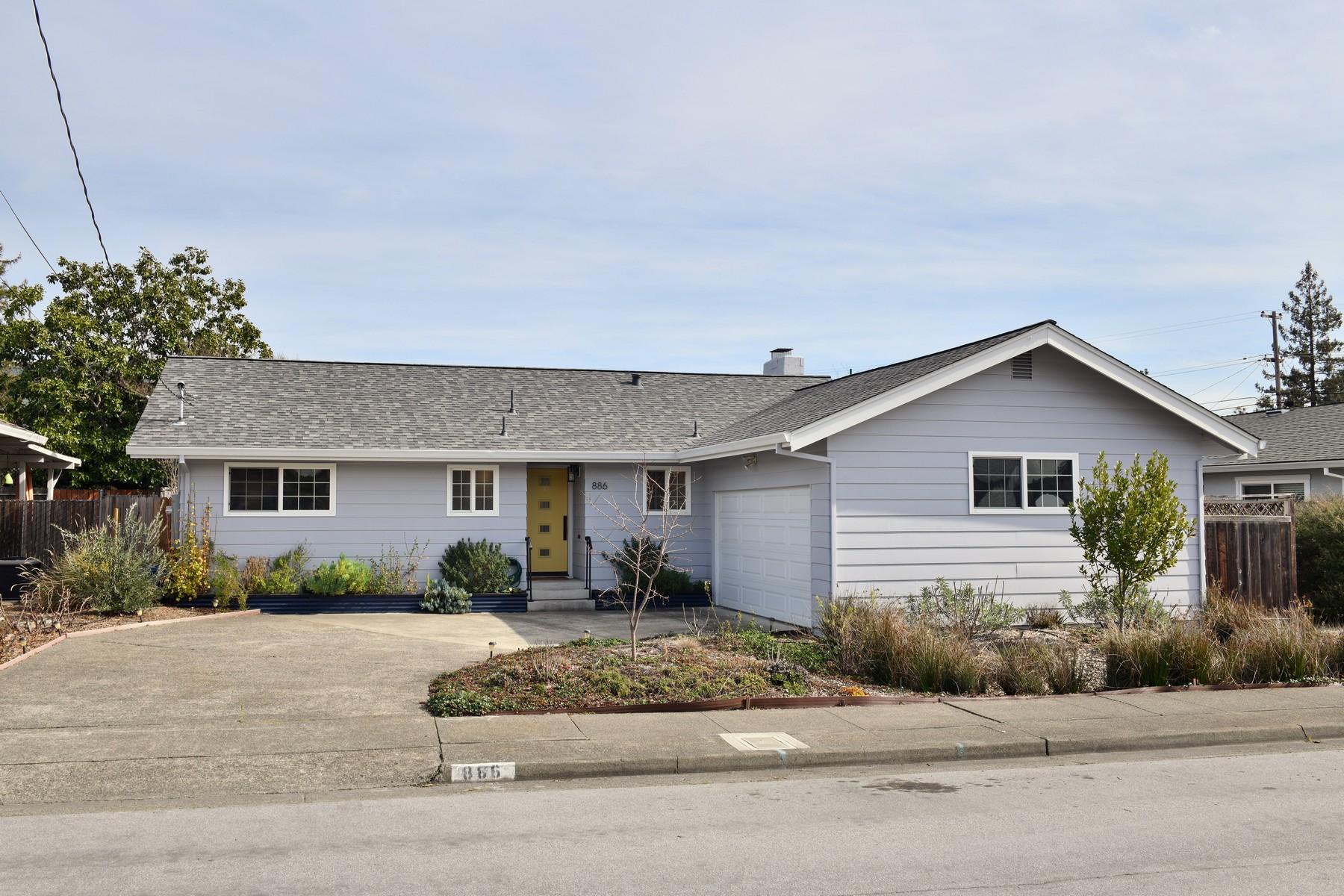 Single Family Homes para Venda às Santa Rosa, Califórnia 95409 Estados Unidos