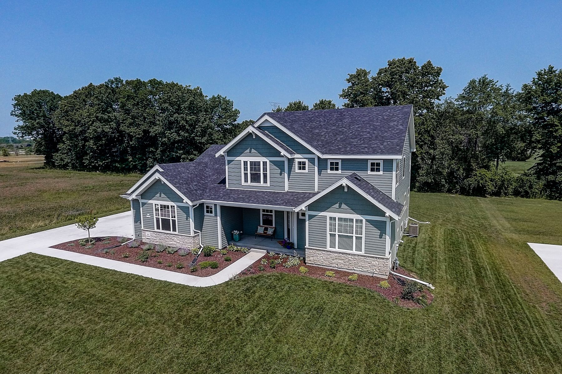 Single Family Homes for Active at N61W21496 Legacy Trl Menomonee Falls, Wisconsin 53051 United States